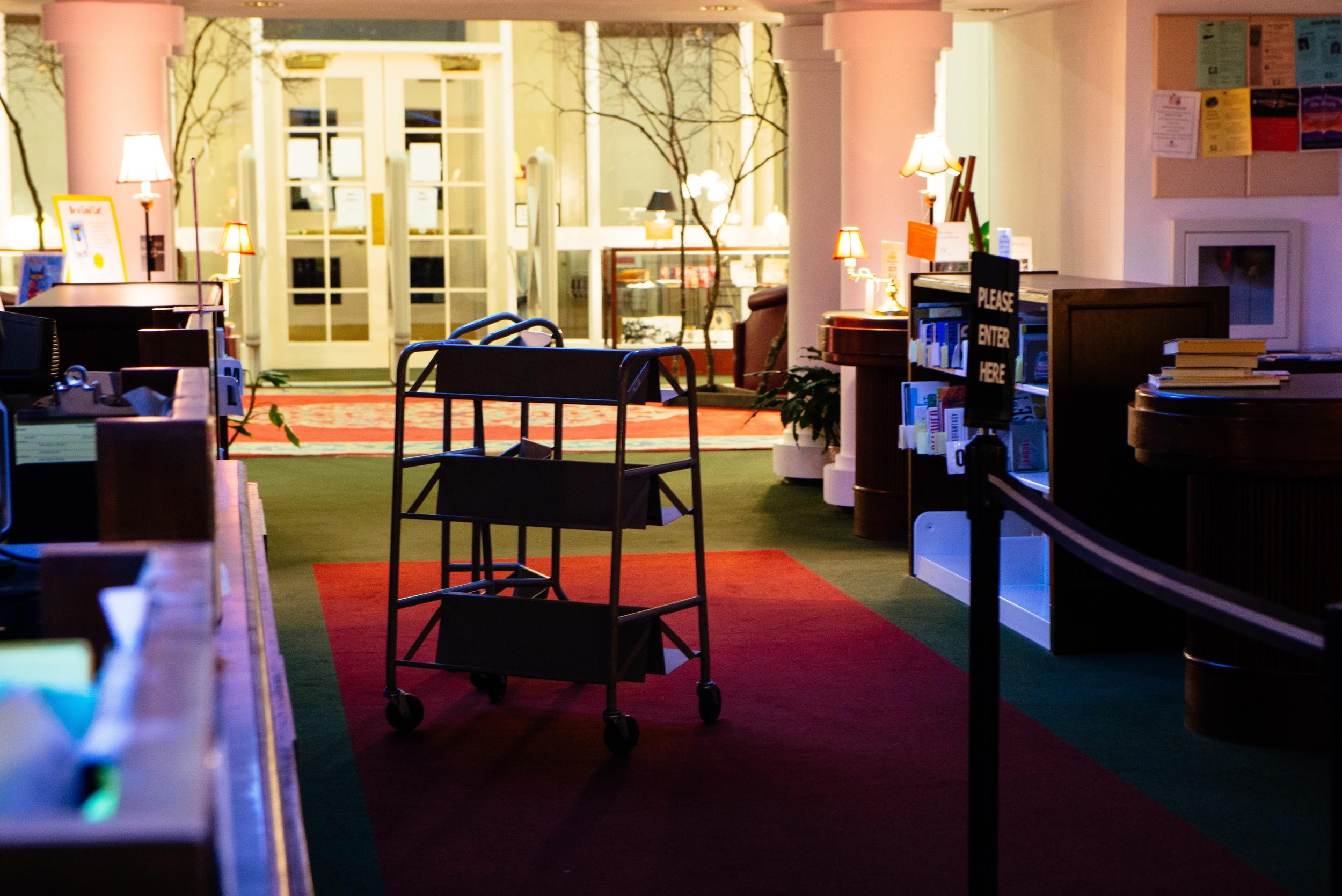 cart in hall.jpg