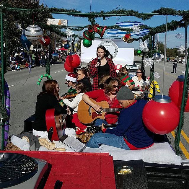 2018 #jacksonvillenc Christmas Day Parade.