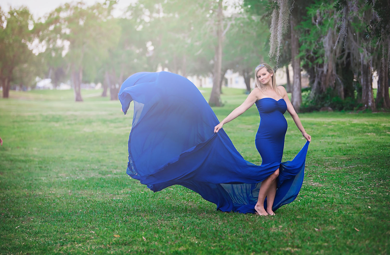 wellington-south-florida-maternity-ppregnancy-newborn-baby-dress-gown-blue-park-golf-course-photographer-photography-palm-beach-broward-west-jupiter-loxahatchee-parkland-best-beautiful.jpg