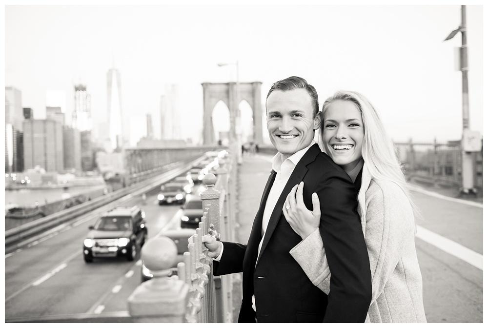 New York Engagement | Brooklyn Bridge, NY, NY | Real weddings, engagements and inspiration for the modern NY Bride | www.redoakweddings.com