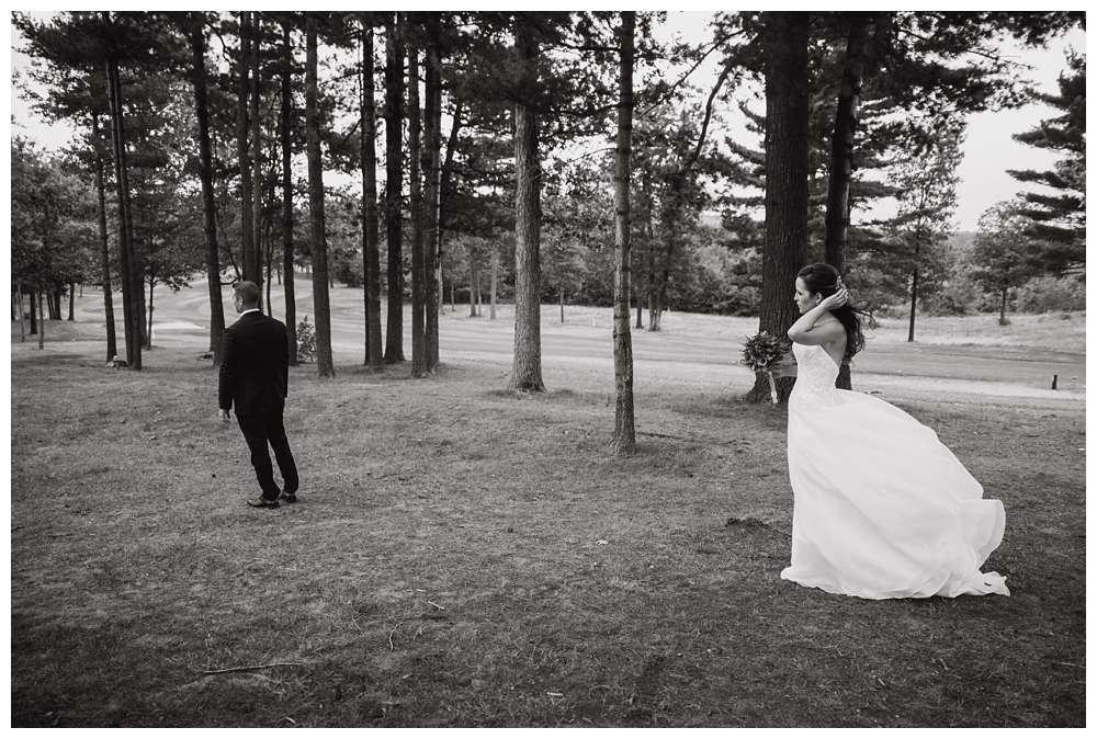 New York Weddings | The Harmony Golf Club in Port Kent, NY | Real weddings, engagements and inspiration for the modern NY Bride | www.redoakweddings.com