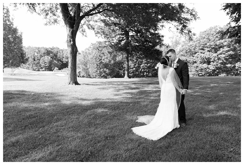 New York Weddings | West Hills Country Club, Middletown NY | Real weddings, engagements and inspiration for the modern NY Bride | www.redoakweddings.com