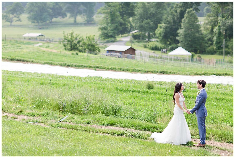 Hudson Valley Farm Wedding | Blue Hill at Stone Farm | www.redoakweddings.com