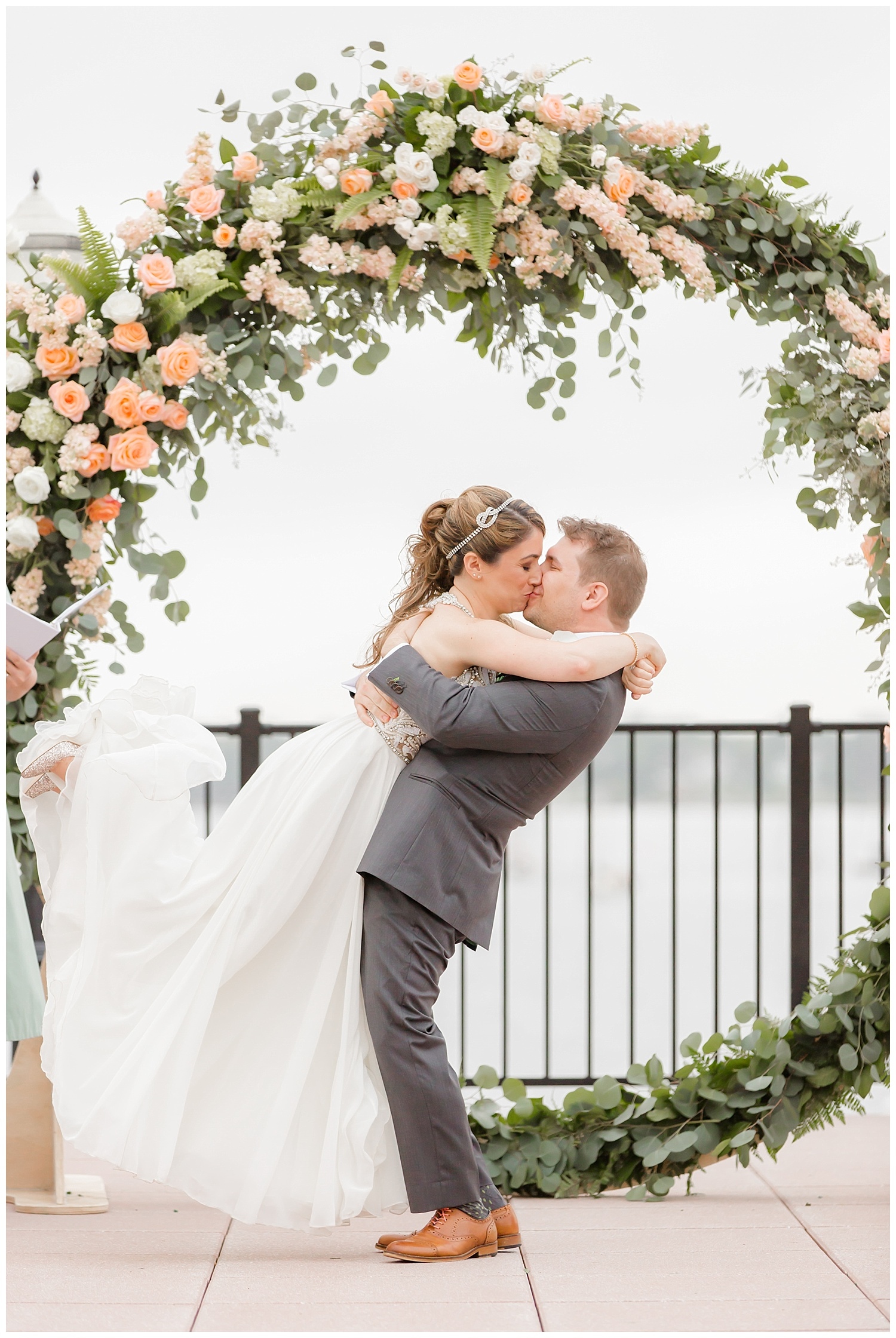 New Jersey Summer Wedding | The Molly Pitcher Inn, Red Bank NJ | www.redoakweddings.com