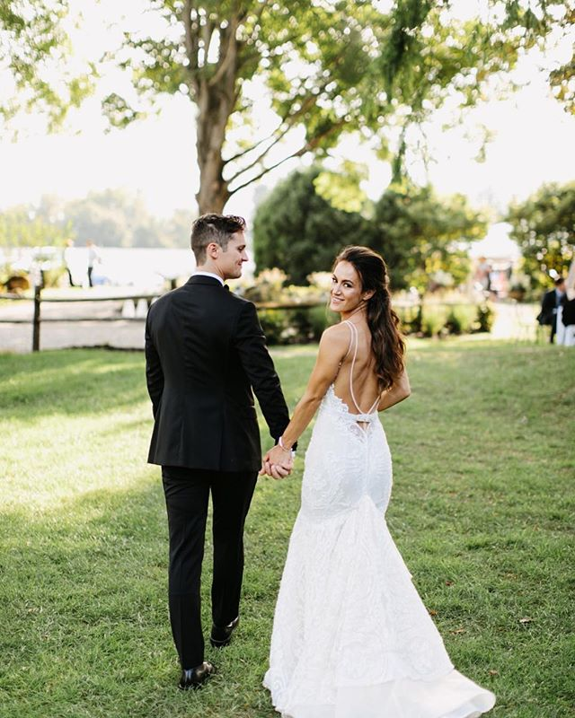 We may have woken up to a surprise snow day today, but that doesn't mean we can't stop dreaming about warmer weather and all the glorious weddings that go along with it! Today's stunning wedding from the one and only Pat Furey at Crossed Keys Estate is definitely one of our favorites, and it's easy to see why: luscious summer blooms, the prettiest tented reception and elegant, rustic details at every turn. We love how authentic and sweet this entire day feels, and know you will too! . . Photographer: @patfureyphoto Wedding Planner: @eventdesignsbykatherine Venue: @crossedkeysestate  Videographer:  @kjrstudio Florist: @eventdesignsbykatherine Baker: @sweet.love.and.cake Rentals + Outdoor Furniture: @dovetailrentals Hair & Makeup: @melissa_daloia_co Photobooth: Photobooth Planet Music:  @silverproentertainment . .  #Redoakweddings #newjerseywedding #njwedding #njweddings #njbride #newyorkwedding #nywedding #nybride #hudsonvalleyweddings #pennsylvaniawedding #pawedding #weddinginspiration #pursuepretty #njweddingvendors #nyweddingvendors #paweddingvendors #engaged #weddinginspiration #weddinginspo #weddingwednesday #engaged #shesaidyes #realwedding #risingtidesociety #weddingblogger #njweddingplanner #njweddingphotographer #sussexcountyweddings #crossedkeysestate