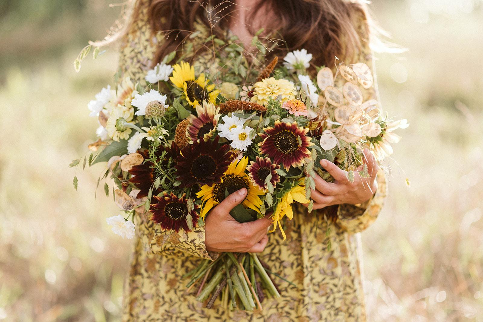 Hemlock_Hellebore_Sunflowers-35.jpg