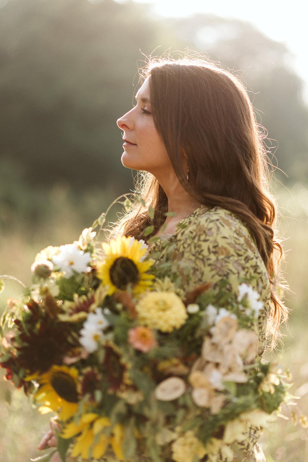 Hemlock_Hellebore_Sunflowers-10.jpg