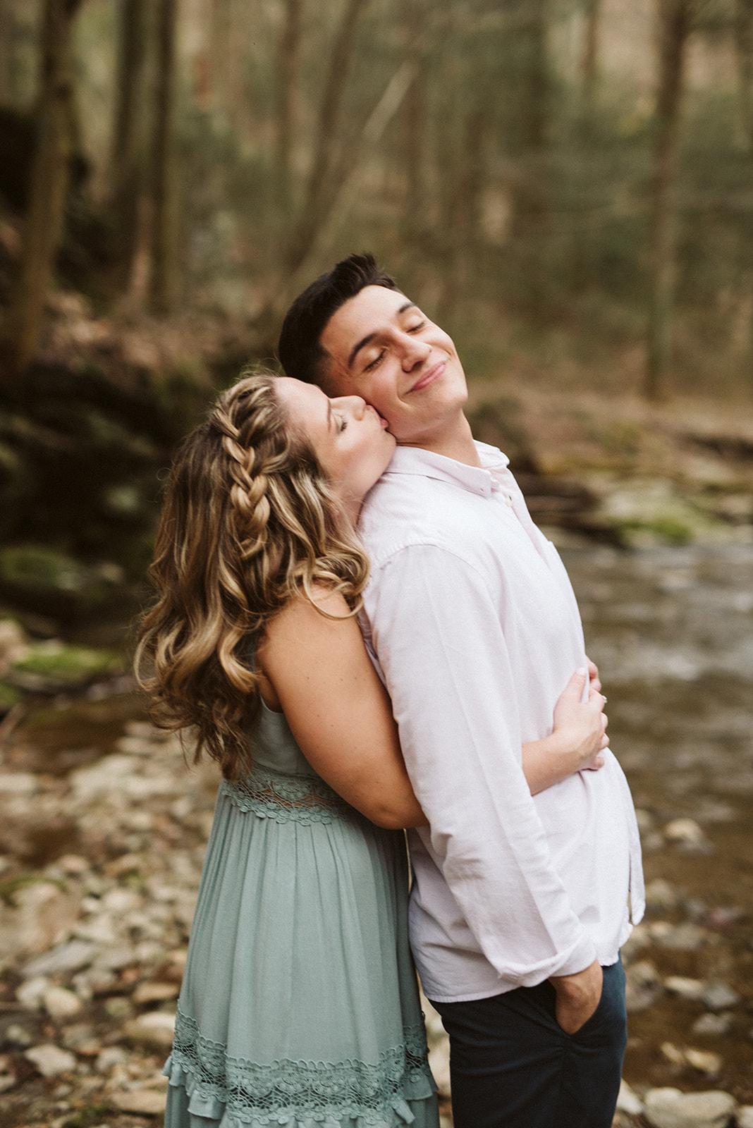 Wedding photographer located in Lancaster, Pennsylvania.