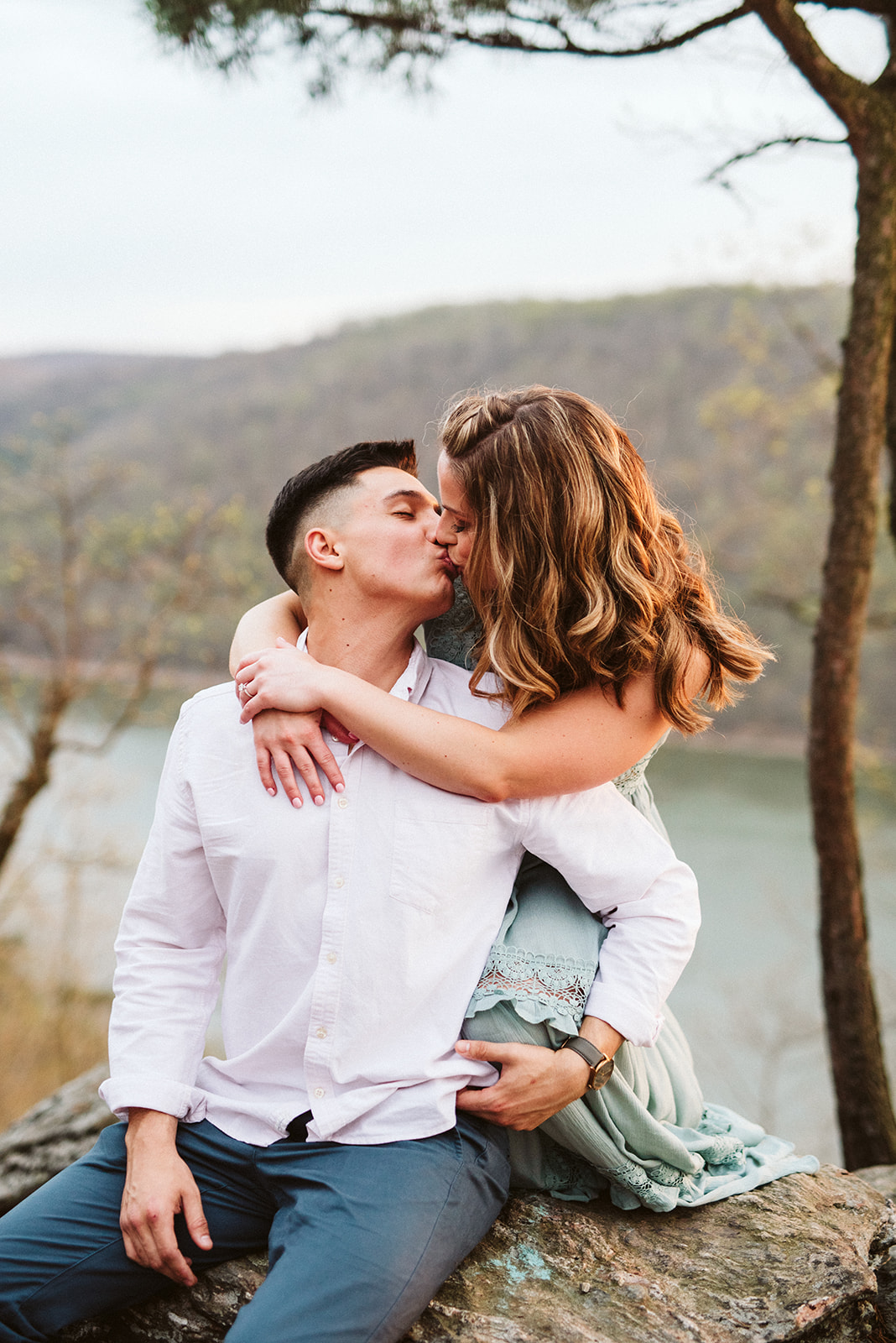 An engagement session at Pinnacle Overlook in Holtwood, Pennsylvania. Photographed by Alyssa Christine Photography, based in lancaster Pennsylvania.