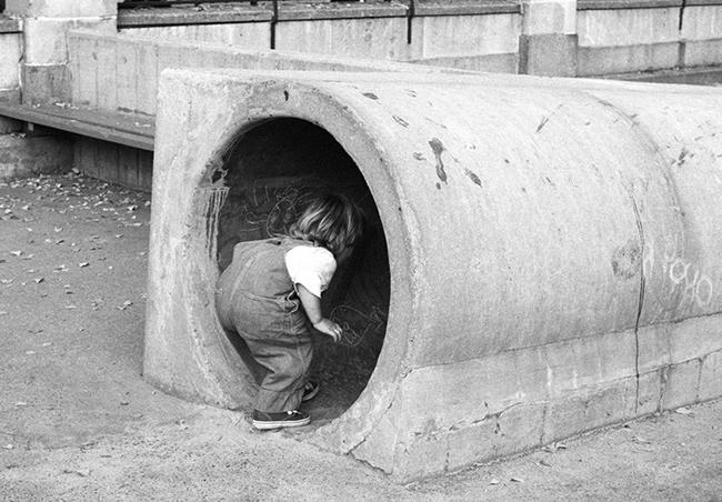 Girl-entering-tunnel.jpg