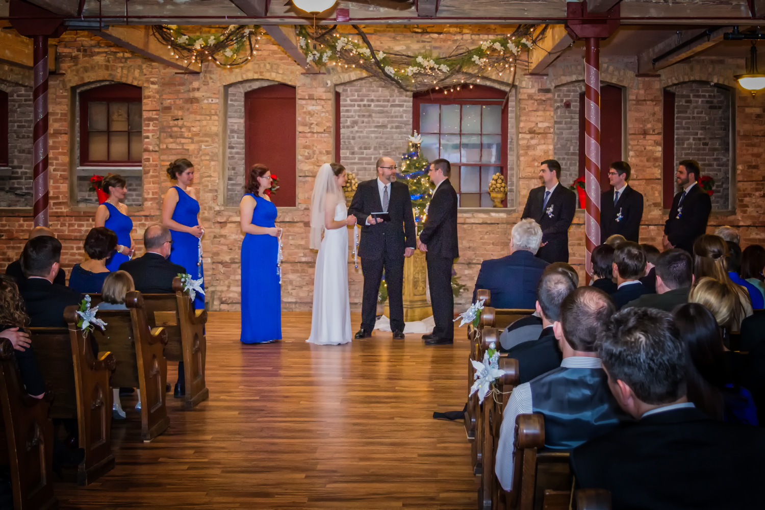 starline_factory_harvard_illinois_christmas_wedding_4.jpg