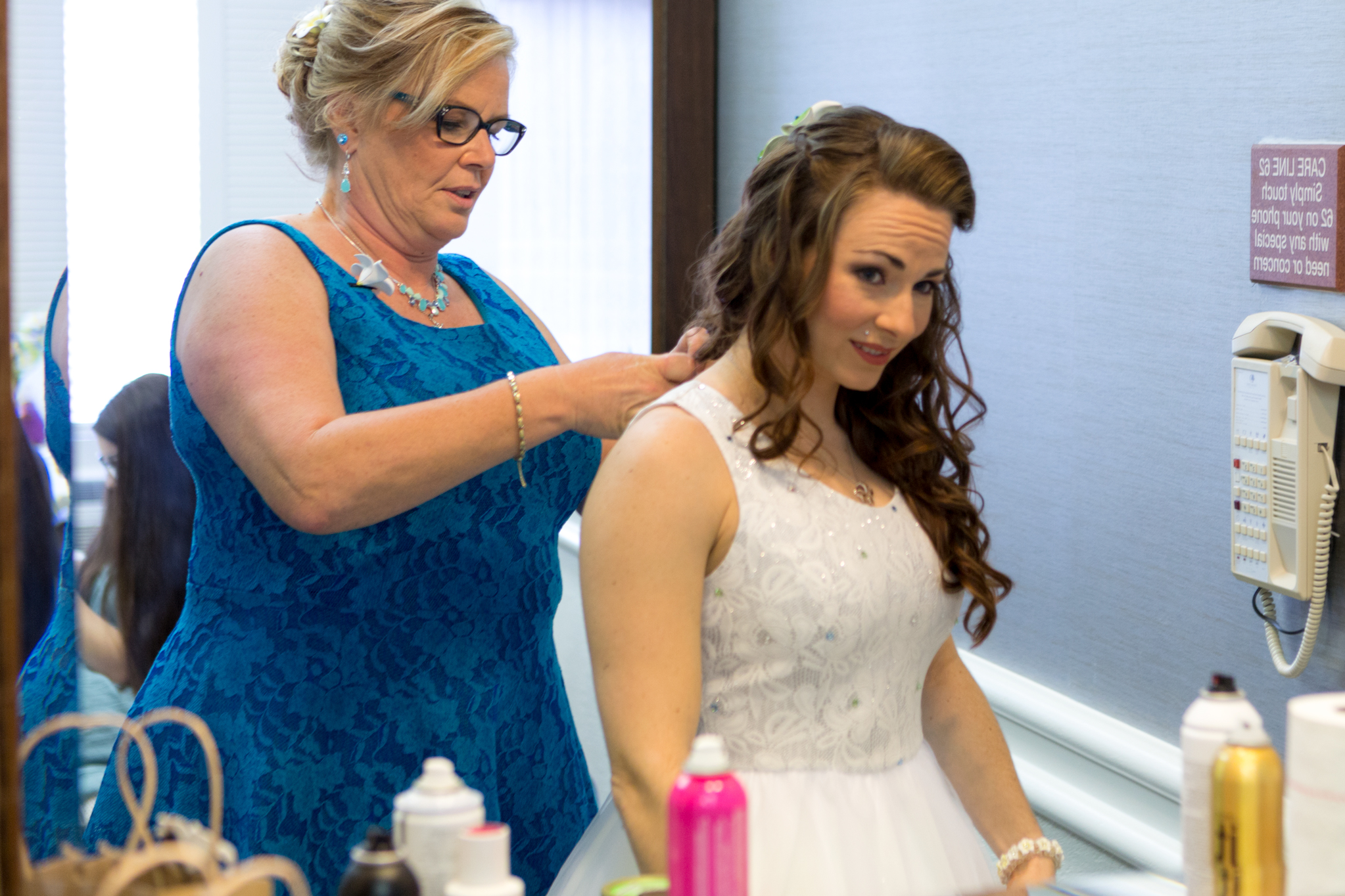 bride_getting_ready_dress_flowers_wedding_romance_2.jpg