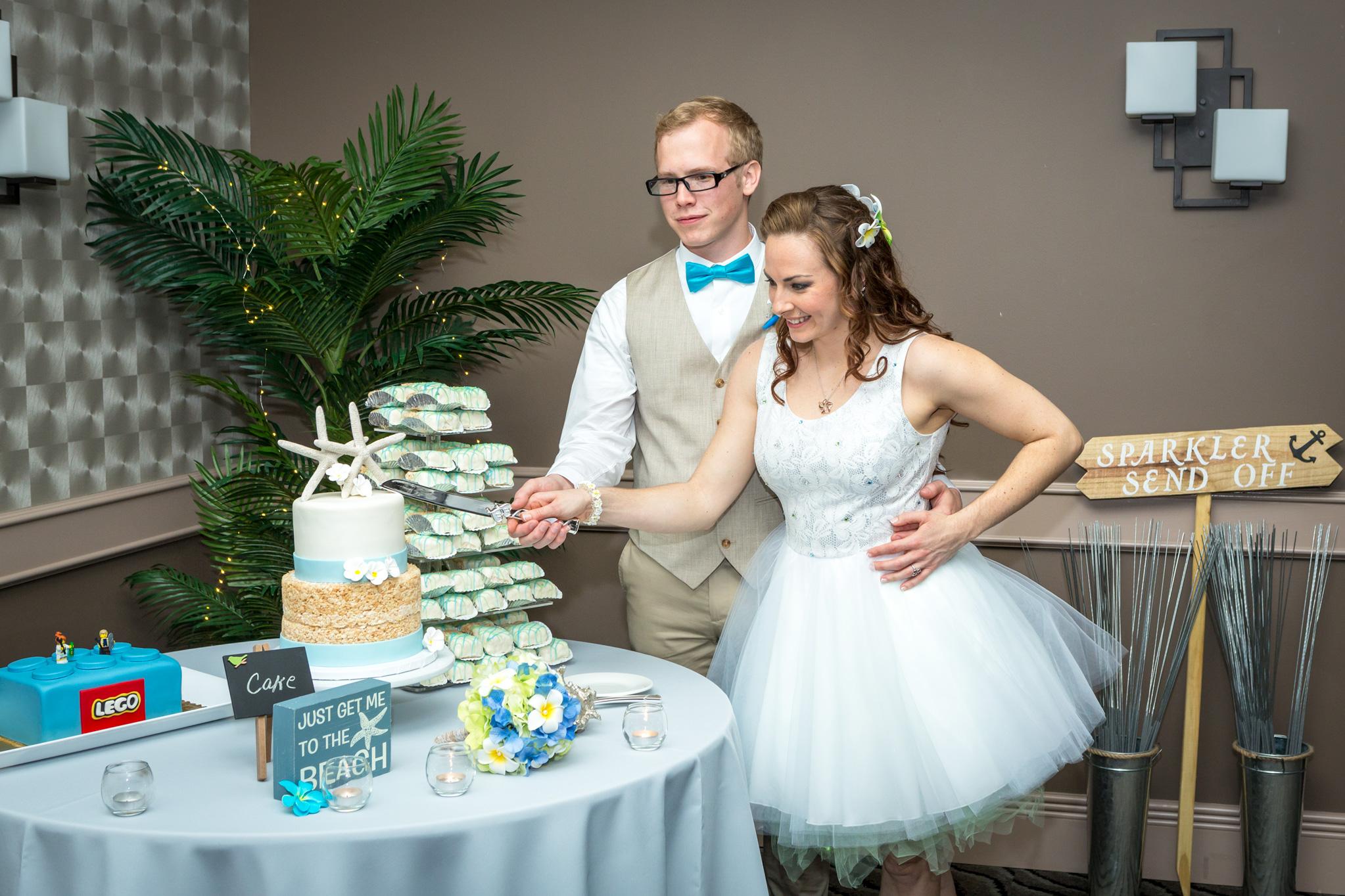 bride_groom_wedding_cake_4.jpg