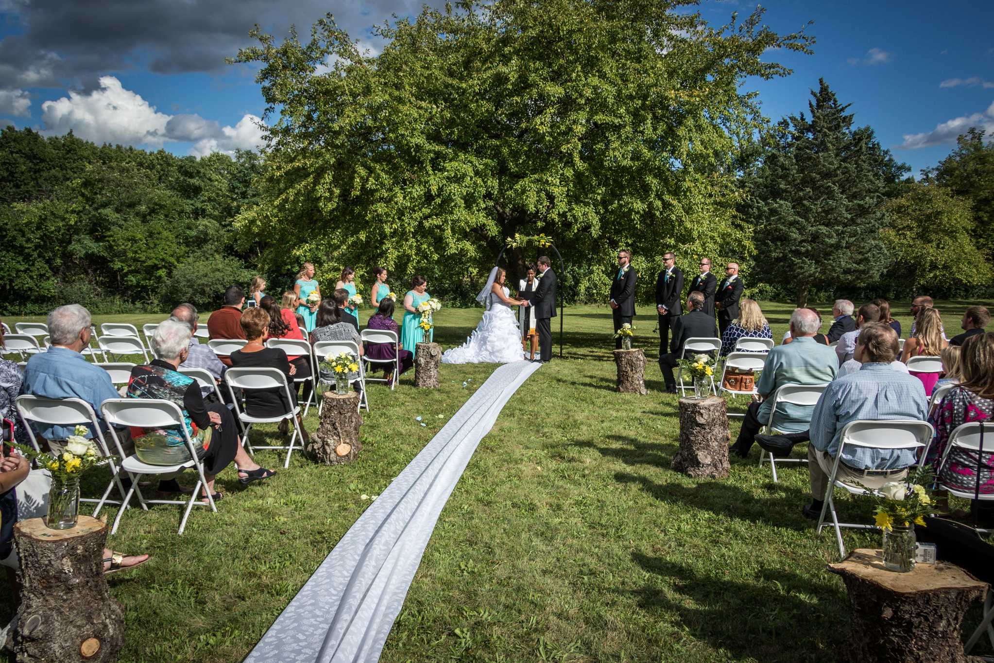 annie_matthew_wedding_outdoors_barrington_il