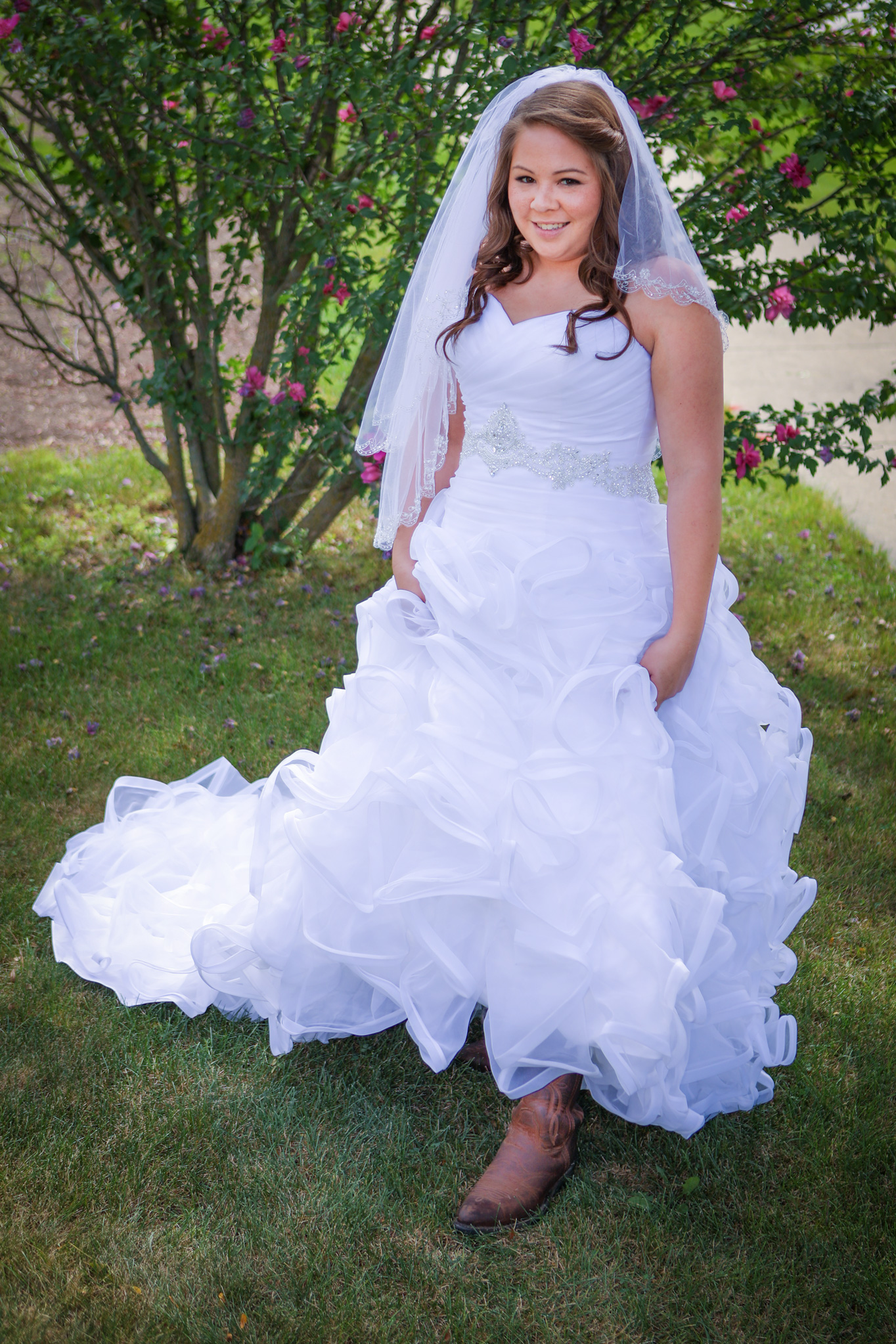 annie_matthew_south_barrington_il_outdoor_wedding_bride_1.jpg