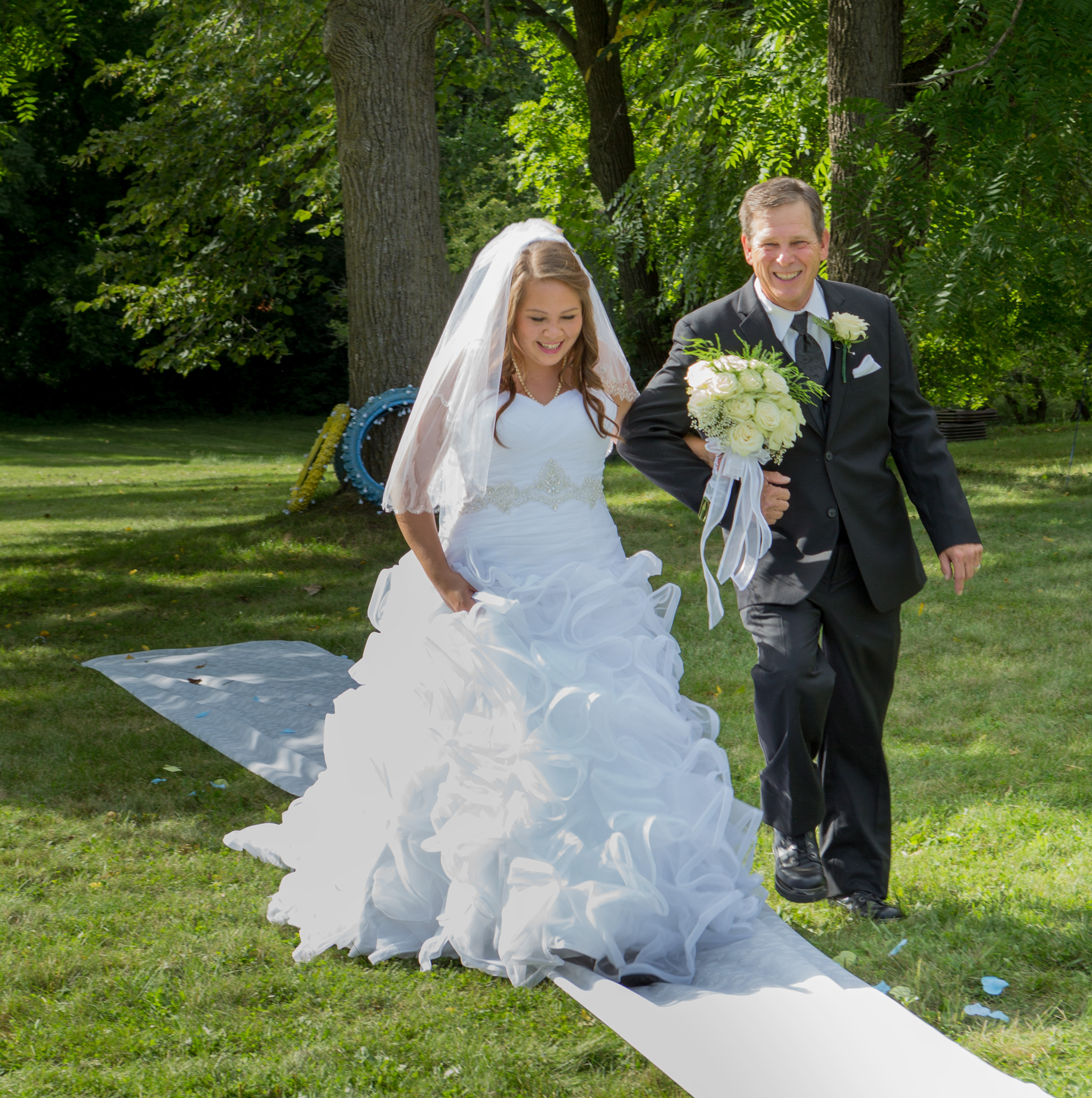 Annie_Matthew_barrington_wedding_outdoor_3.jpg