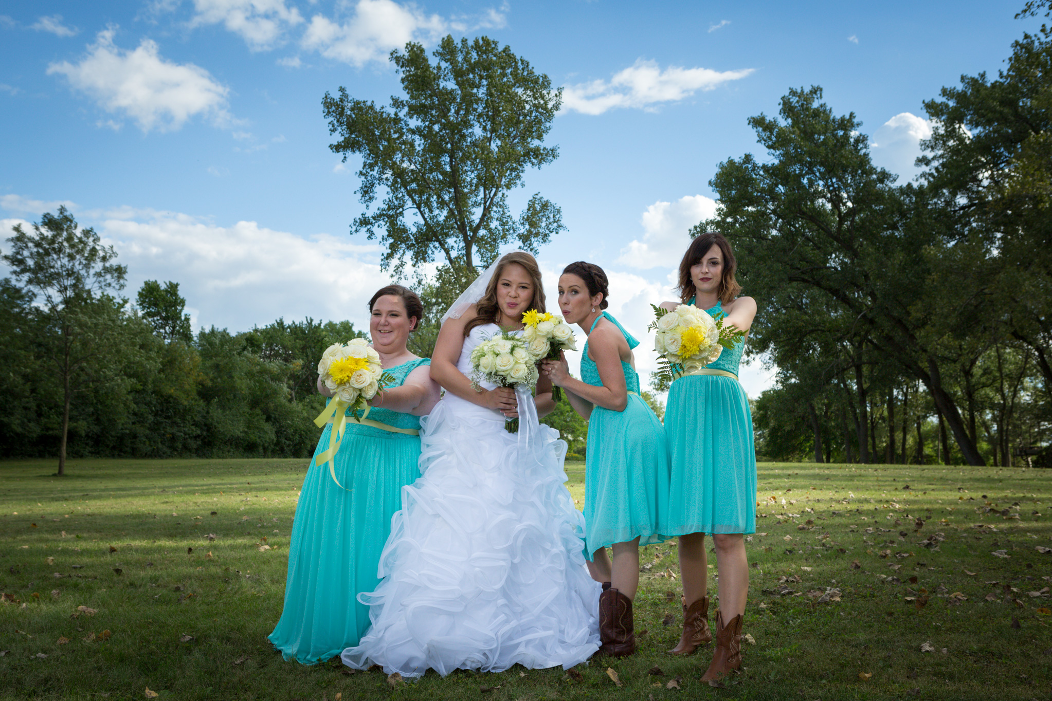 bride_bridemaids_formal_photograph_2.jpg