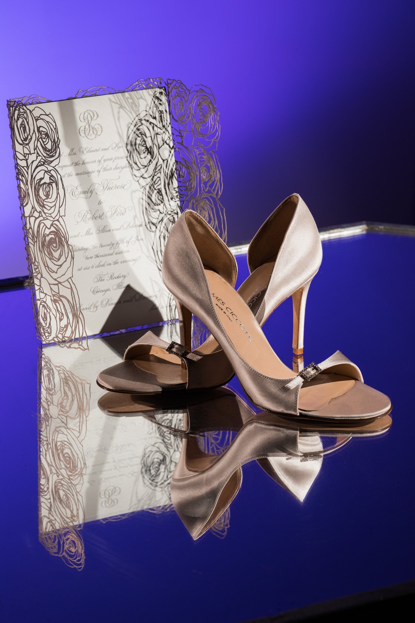 stylized_wedding_photography_shoes_detail_chicago_3.jpg