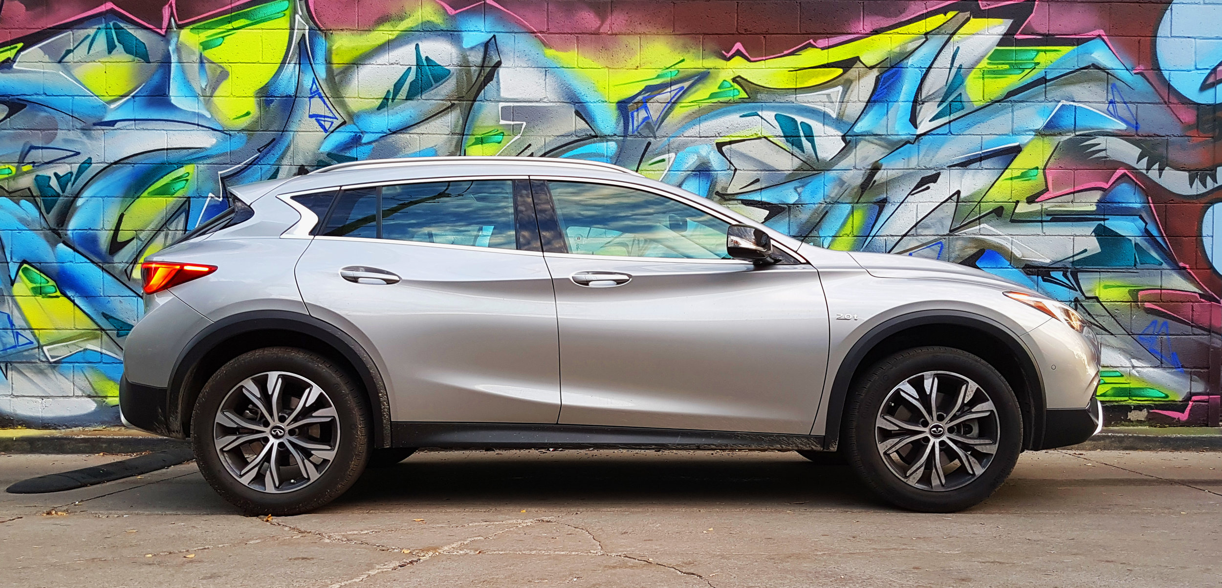 Infiniti's new crescent-shaped c-pillar is not suuuuper practical for visibility, but it looks  damn good.