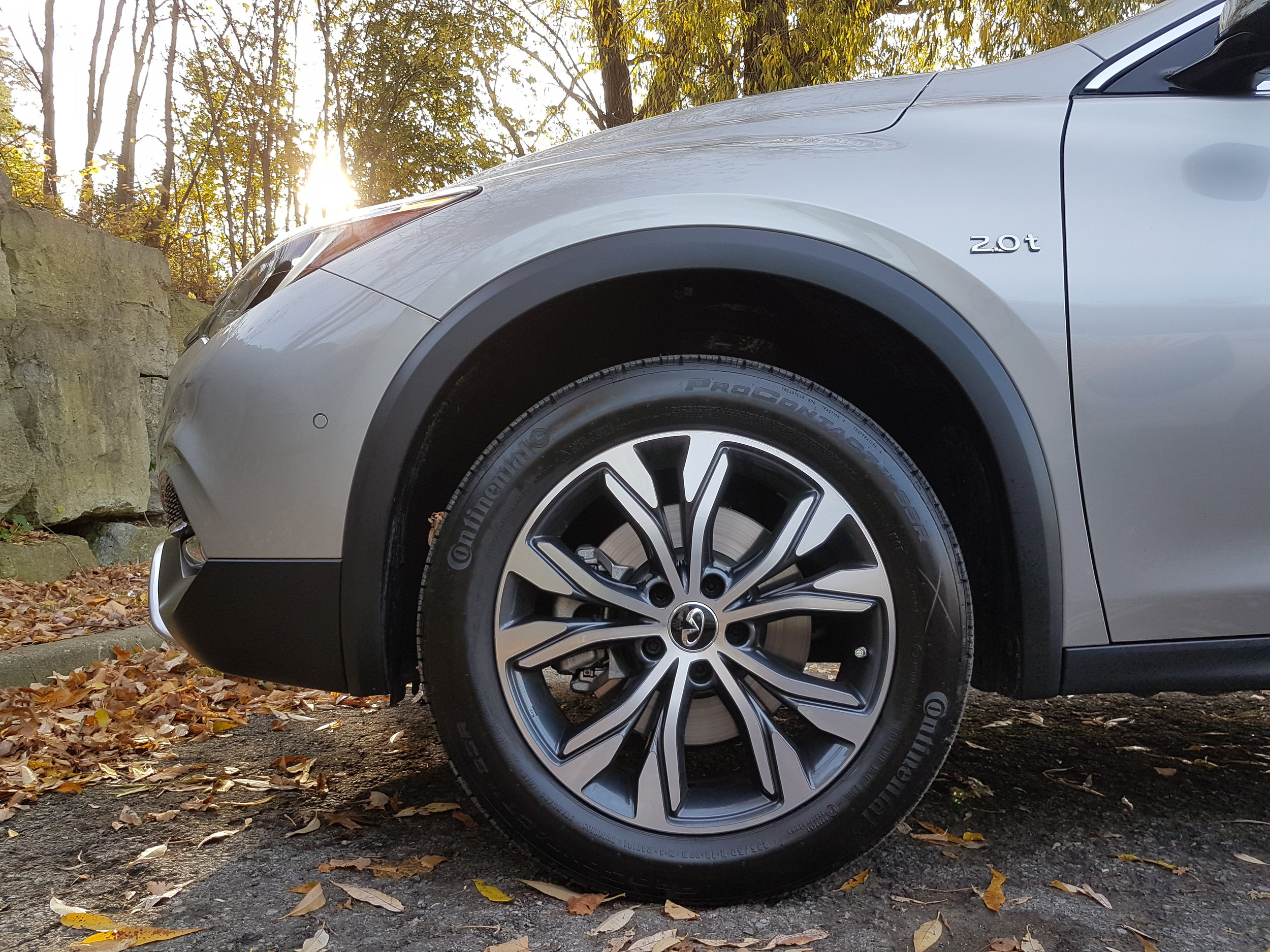 """The QX30 AWD rolls on some really nice looking 18"""" machined-face alloy wheels."""