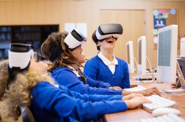 Girls classroom VR.jpg