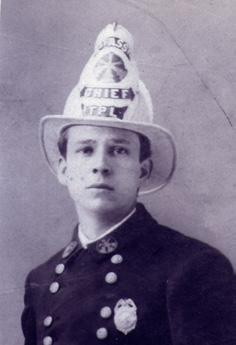 1913-1911 Thomas Logan