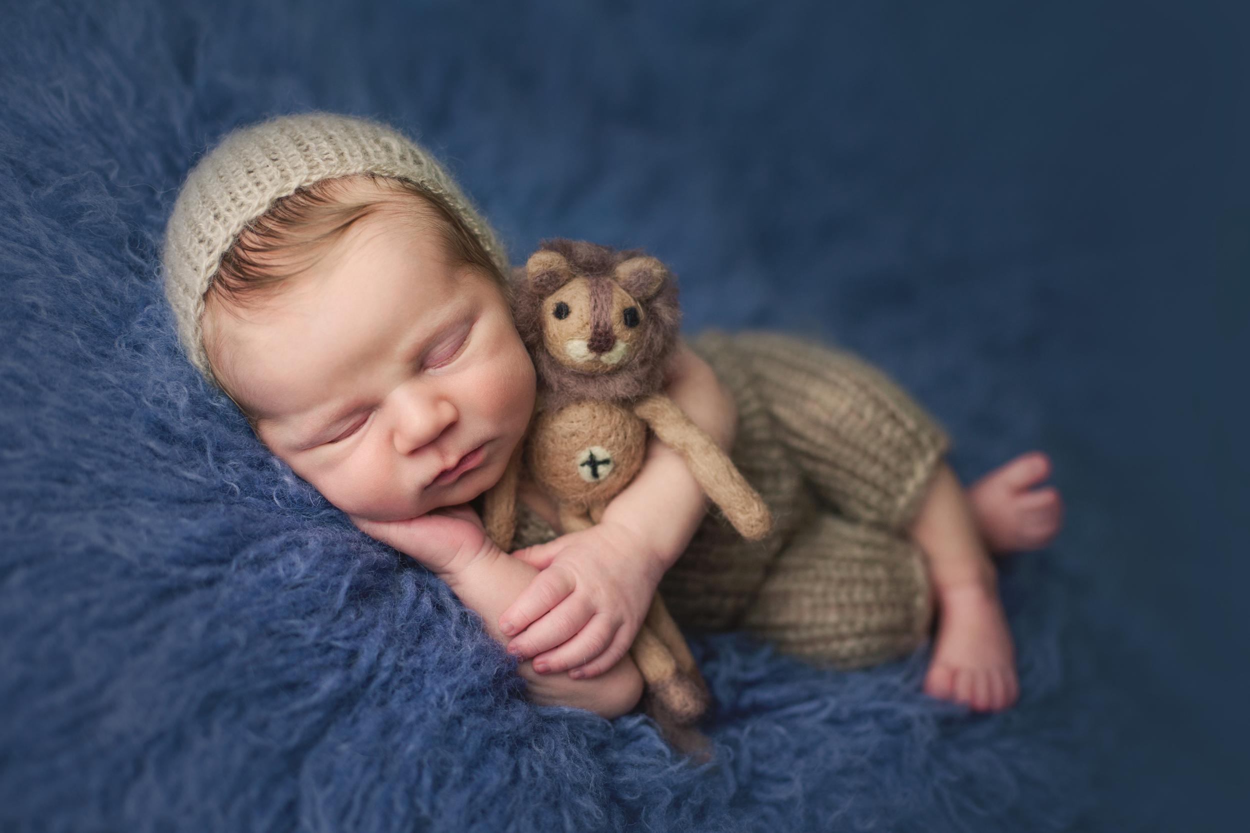 buckley newborn -35.jpg
