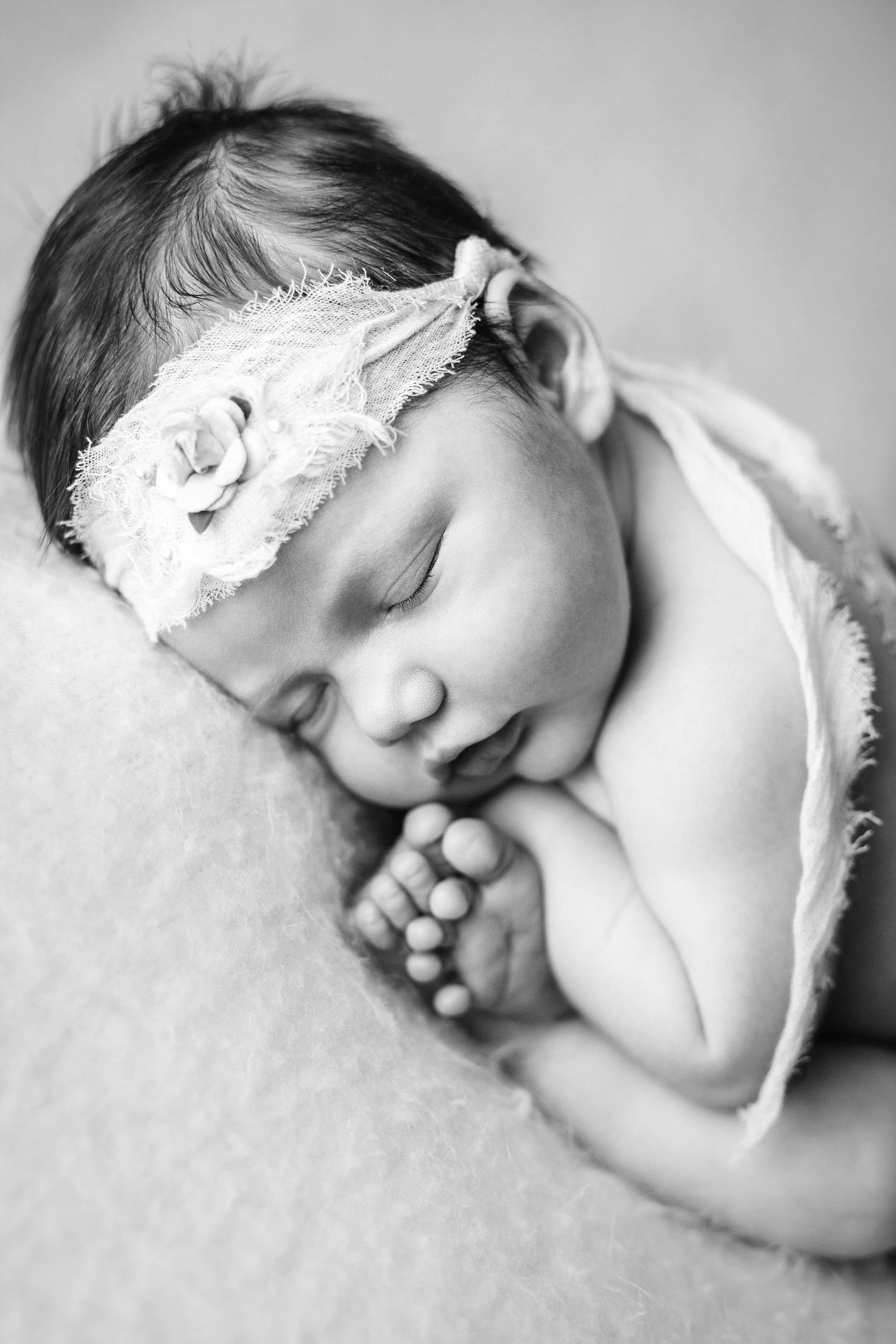 mackenzie newborn  (6).jpg