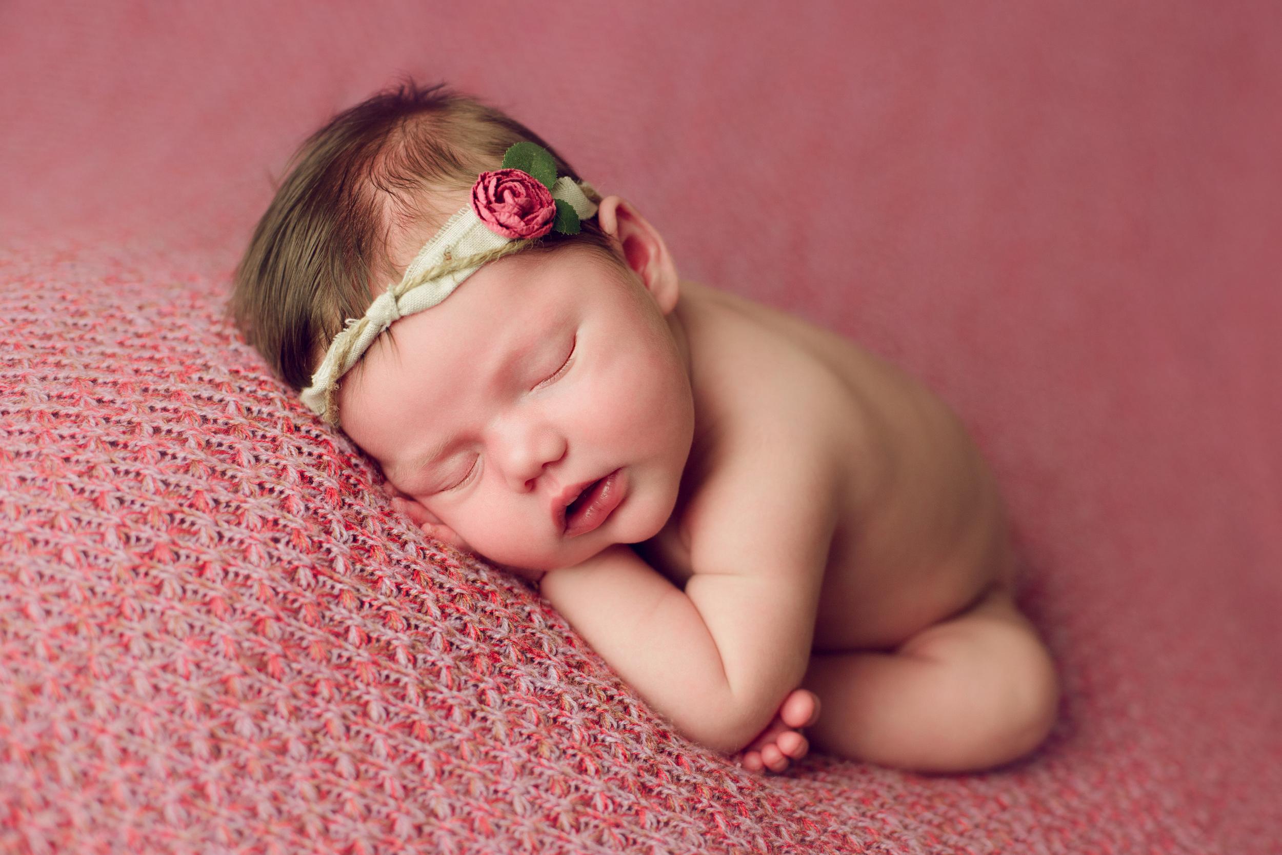 mackenzie newborn  (14).jpg