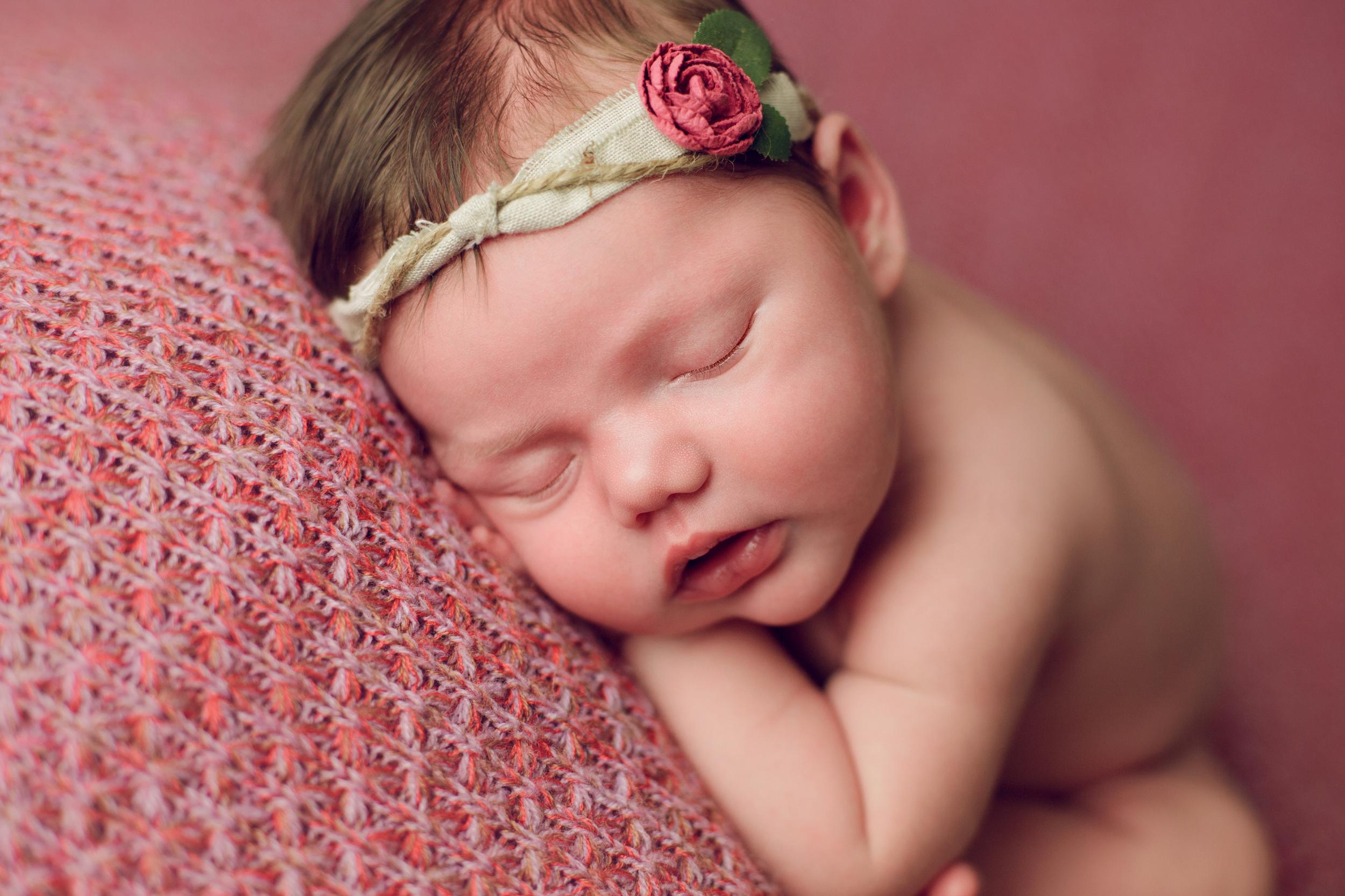 mackenzie newborn  (17).jpg