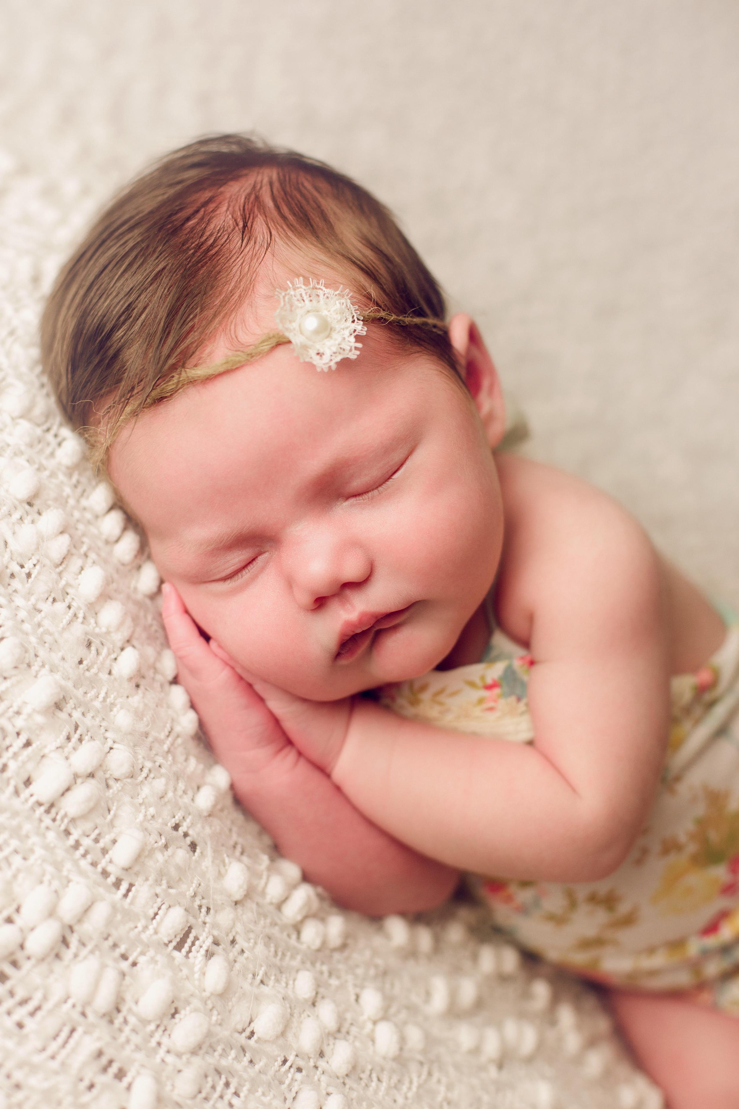 mackenzie newborn  (31).jpg