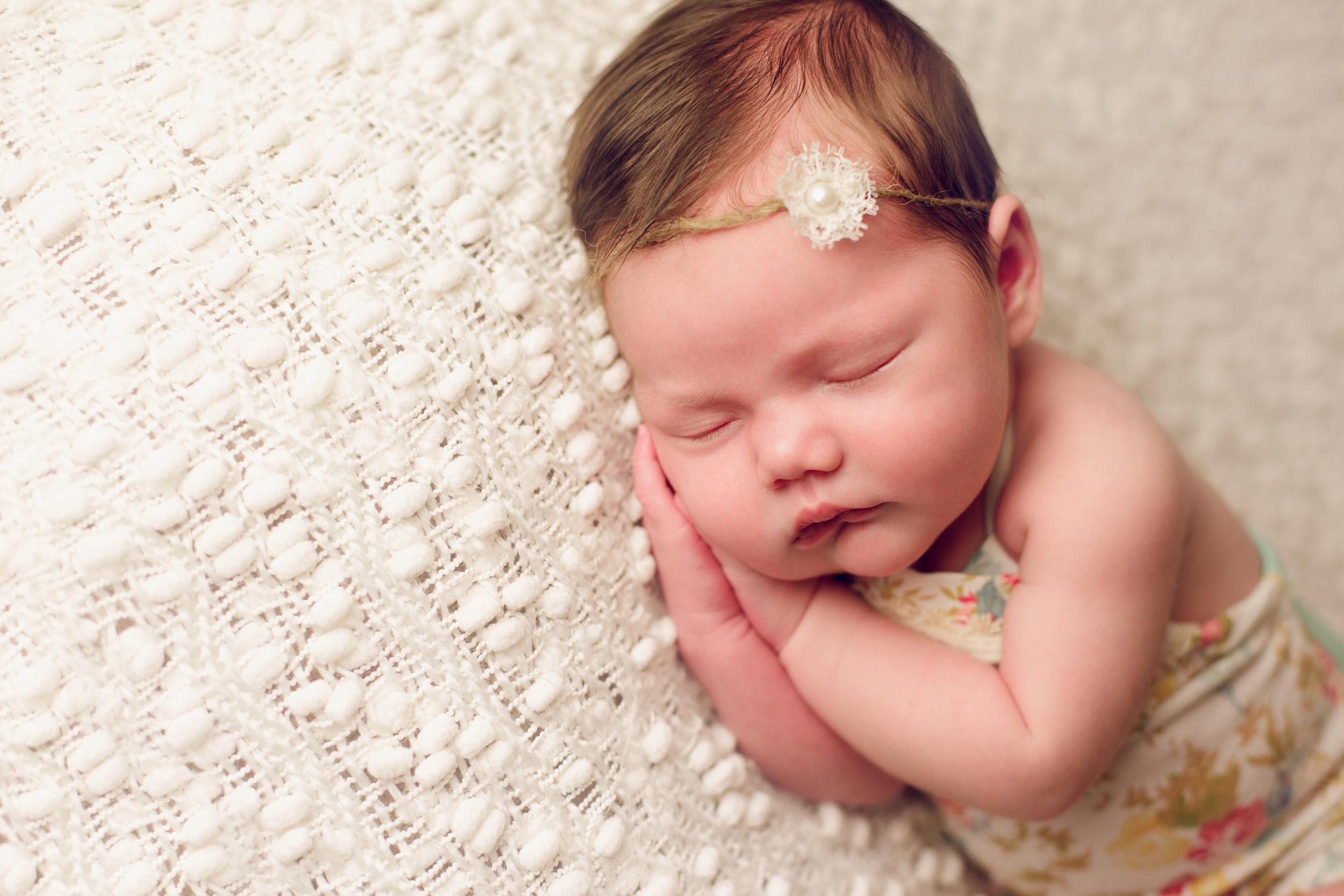 mackenzie newborn  (34).jpg