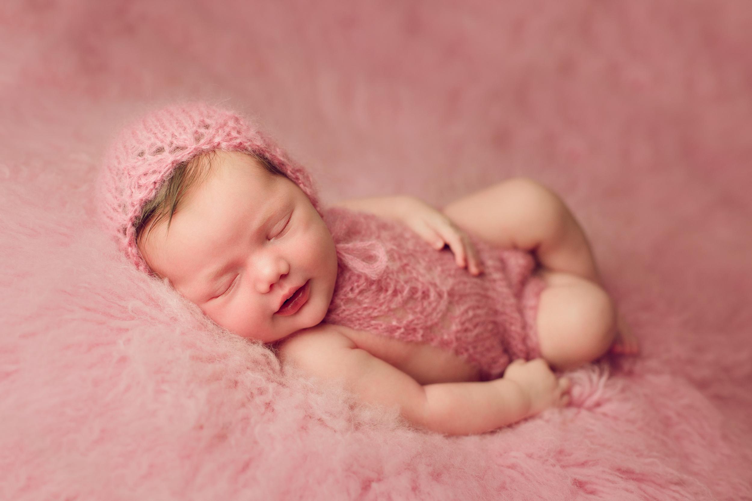 mackenzie newborn  (40).jpg