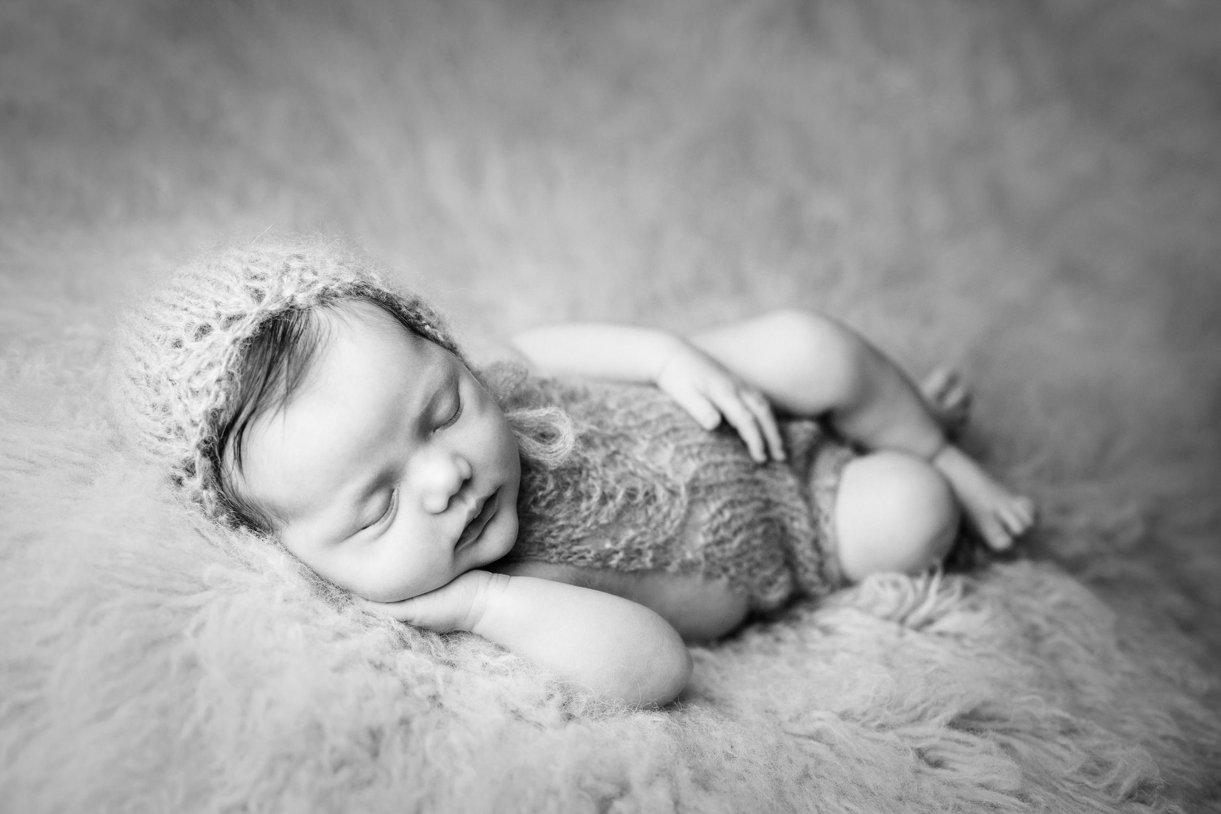 mackenzie newborn  (43).jpg
