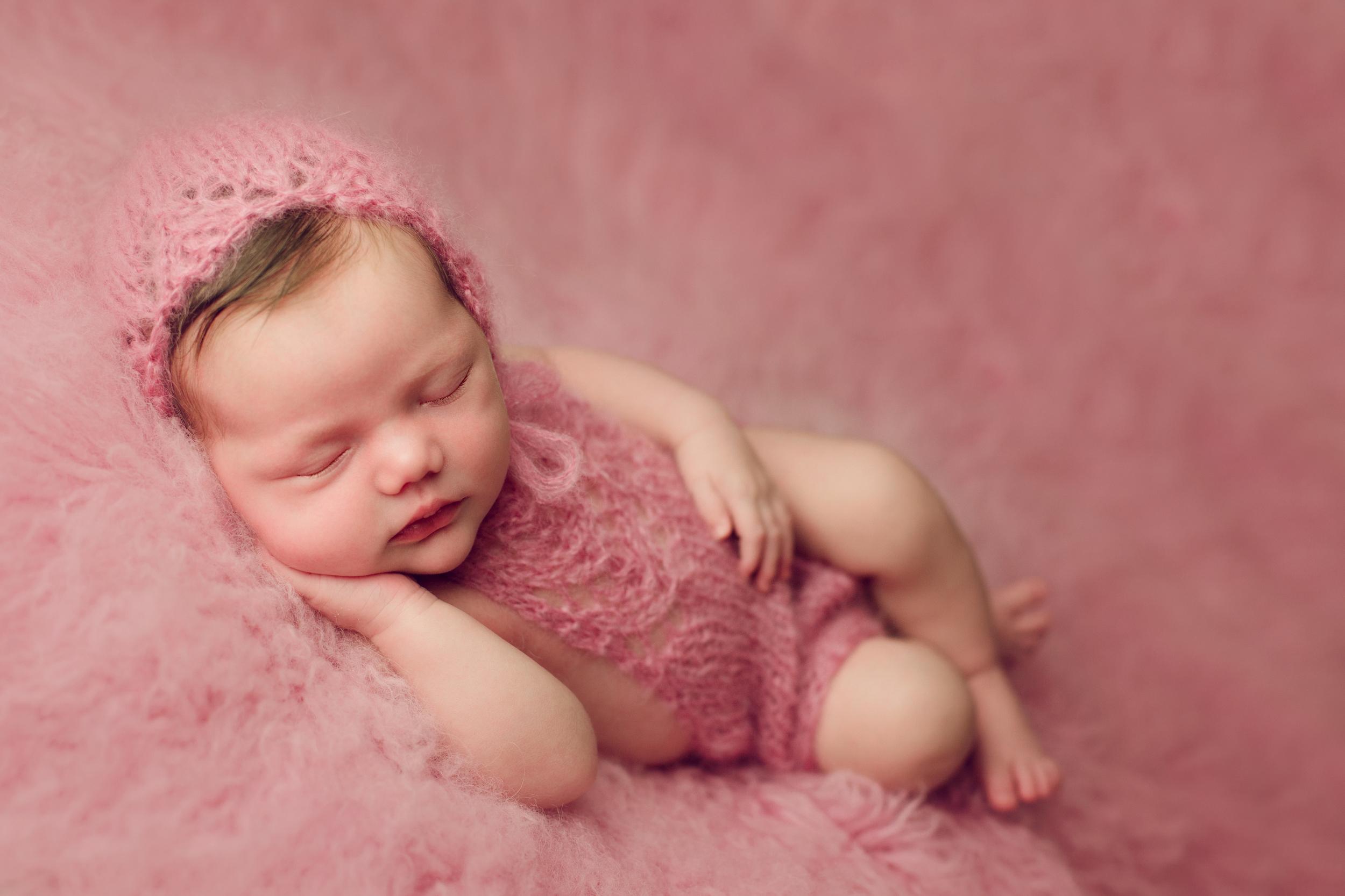 mackenzie newborn  (44).jpg