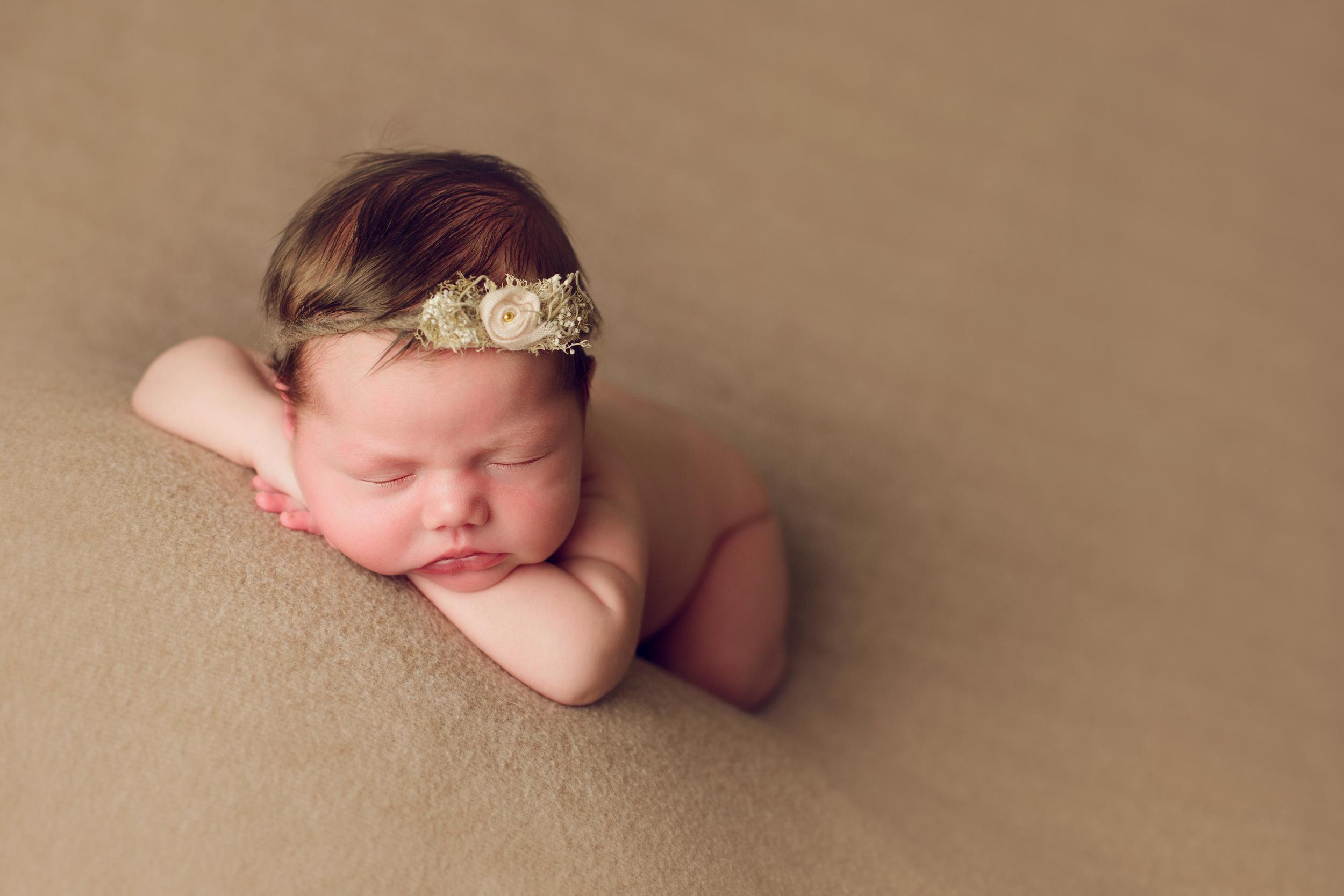 mackenzie newborn  (54).jpg