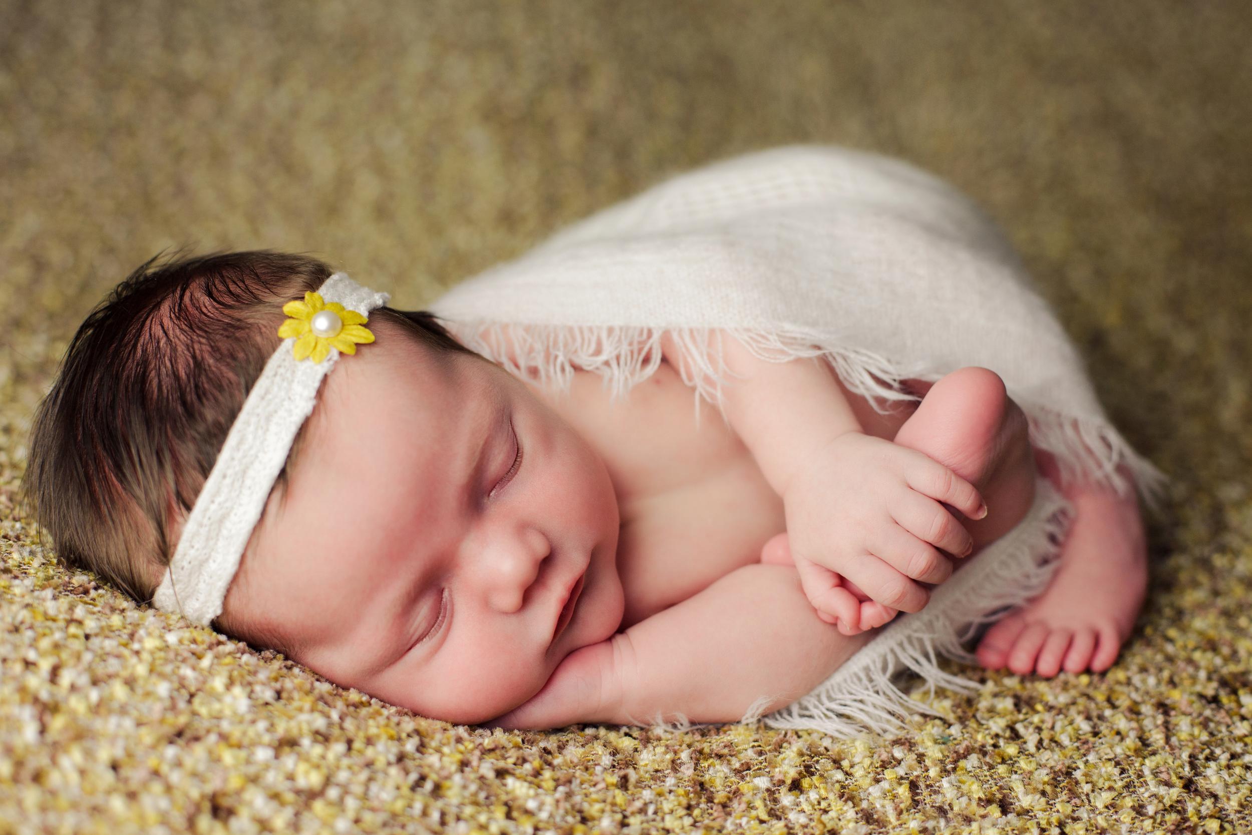 mackenzie newborn  (72).jpg
