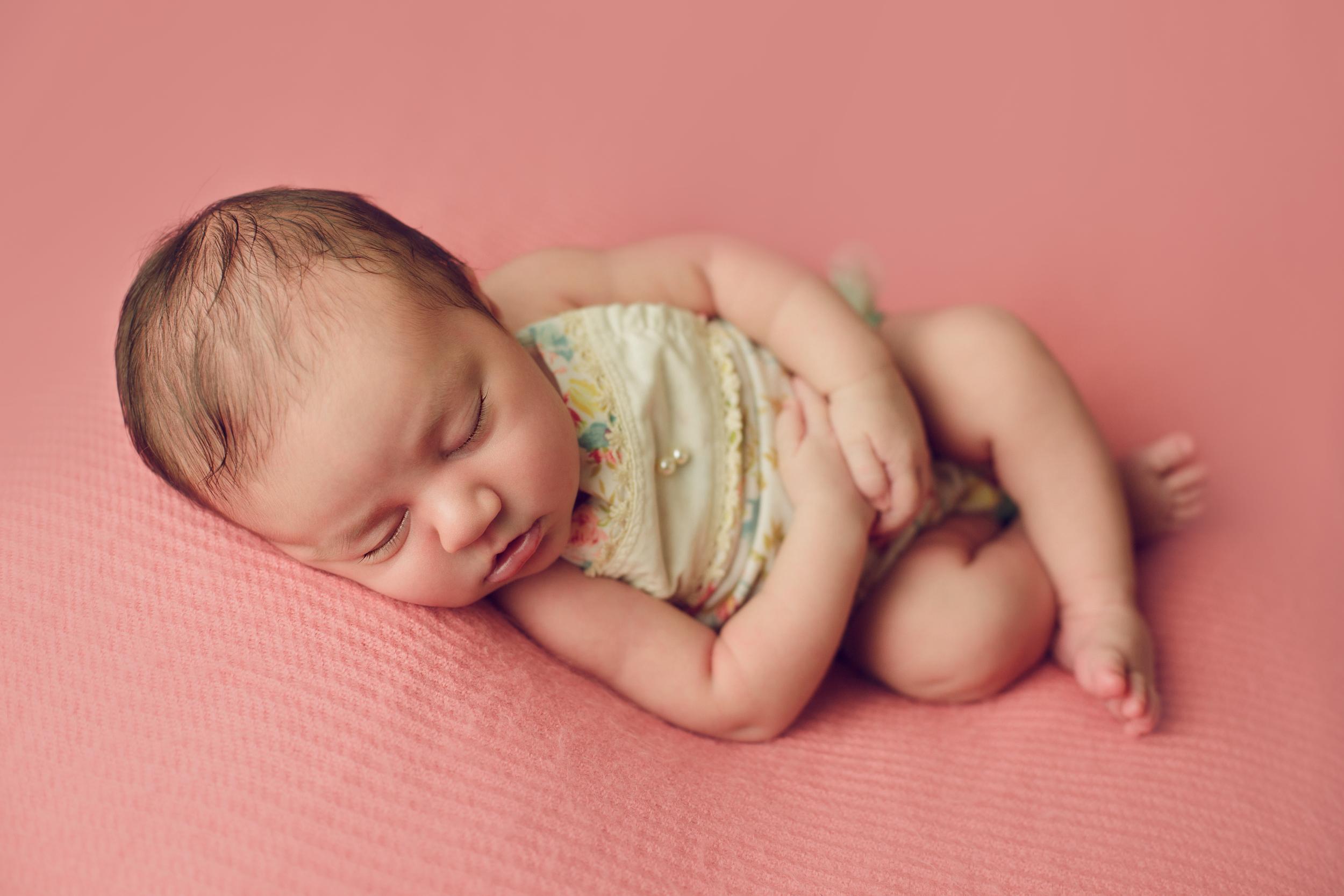 ruby newborn  (41).jpg
