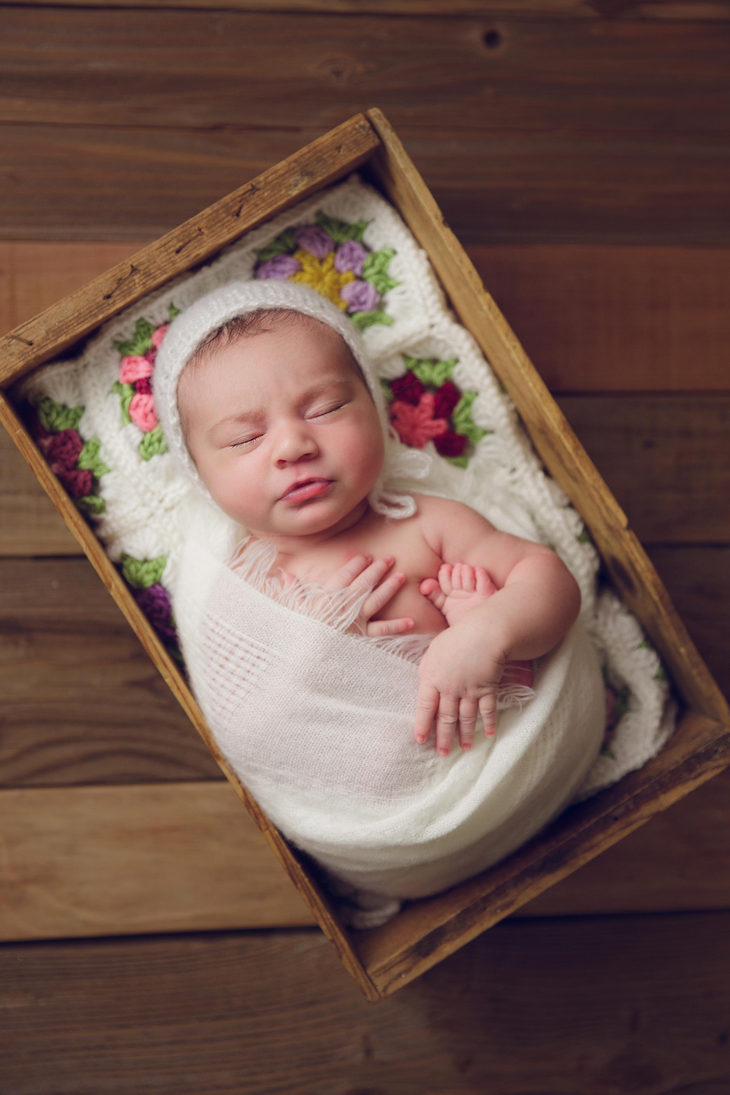 ruby newborn  (72).jpg