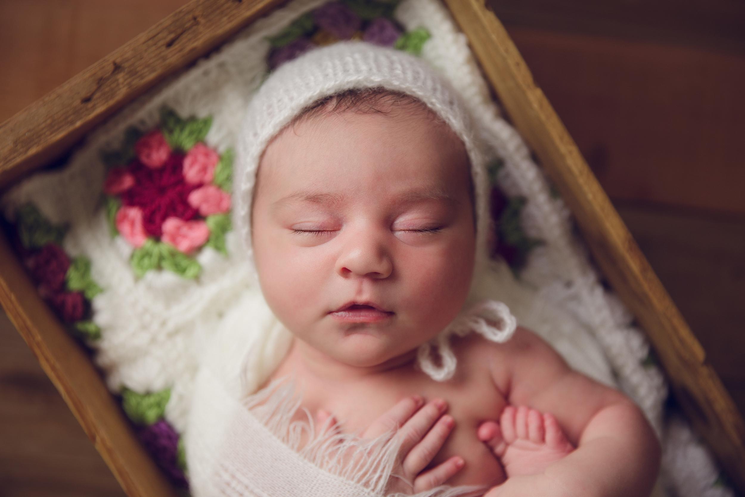 ruby newborn  (81).jpg