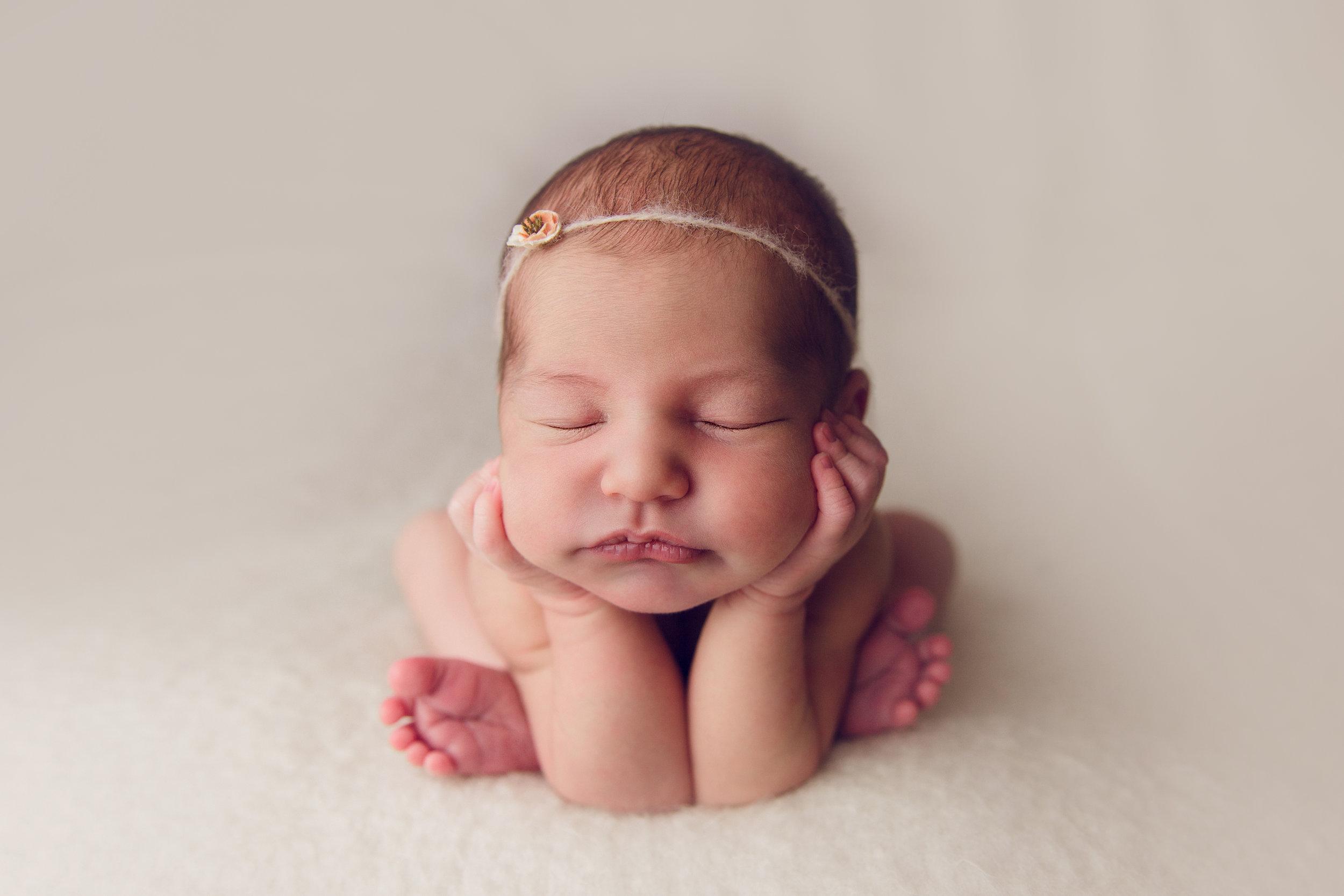 bellina newborn  (1).jpg