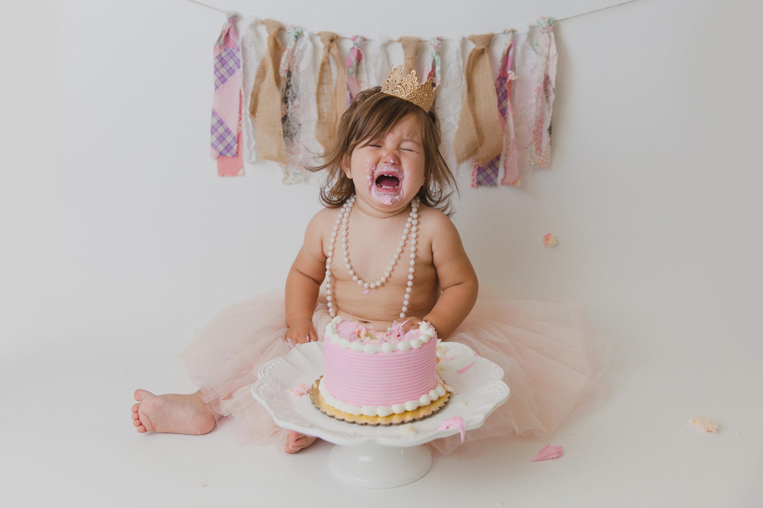evelyn cake smash -59.jpg