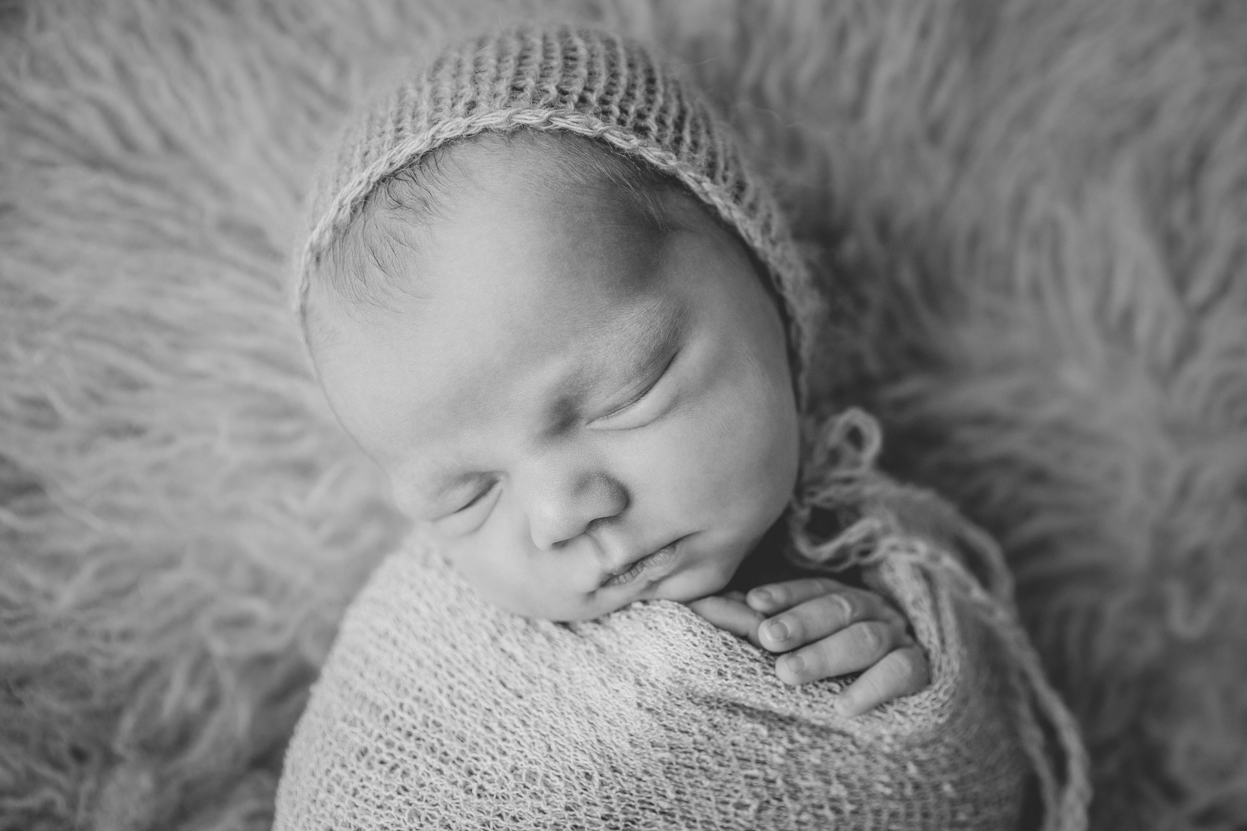 kolette newborn -35bw.jpg