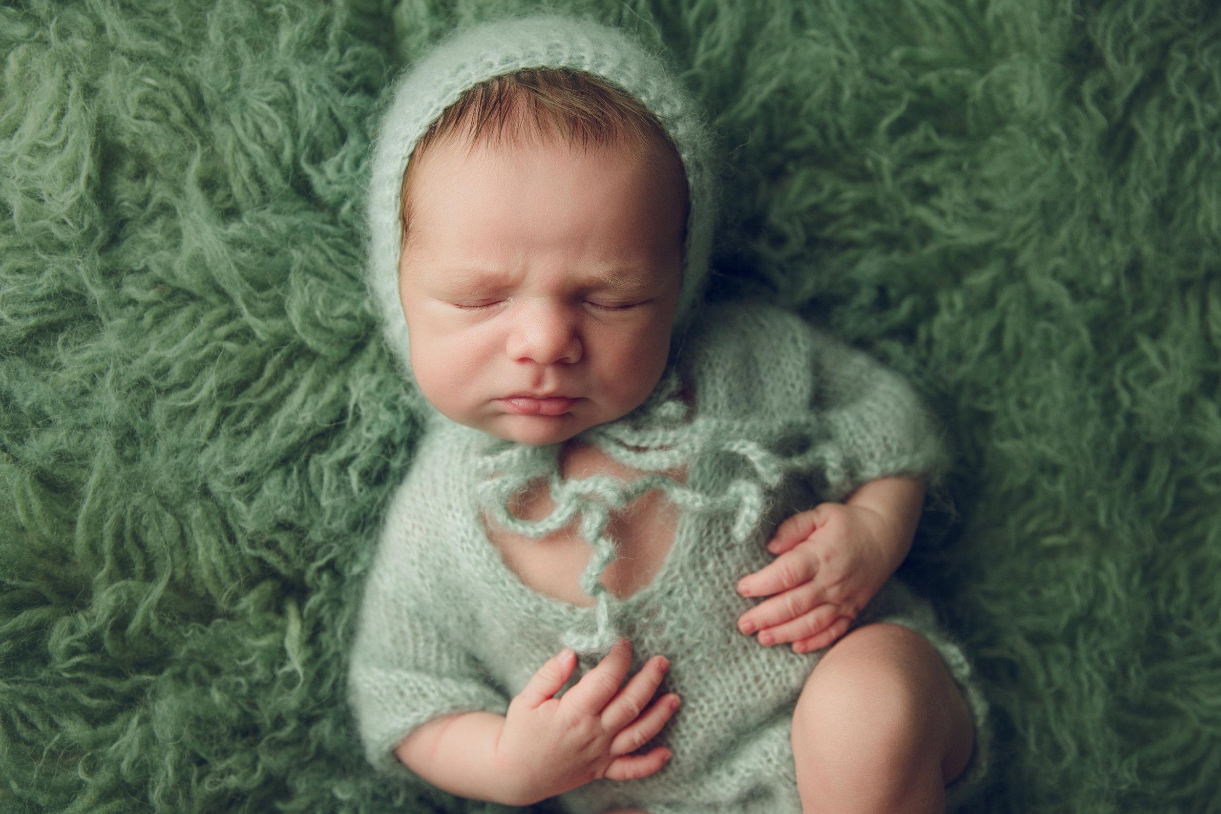 myles newborn  (52).jpg