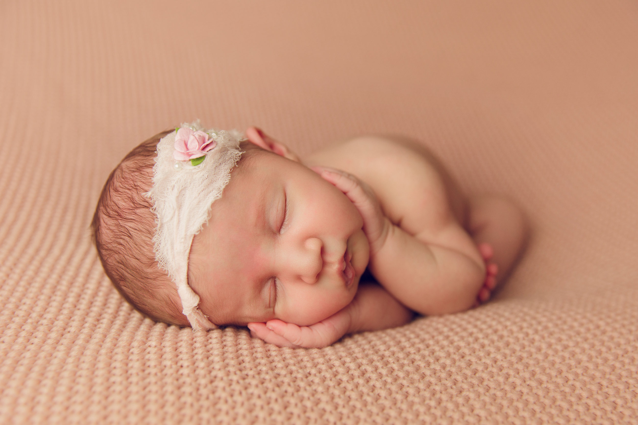 willow newborn photo  (28).jpg