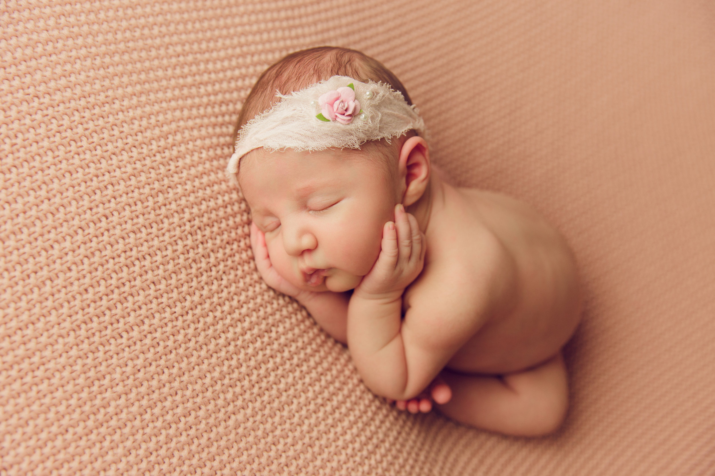 willow newborn photo  (30).jpg