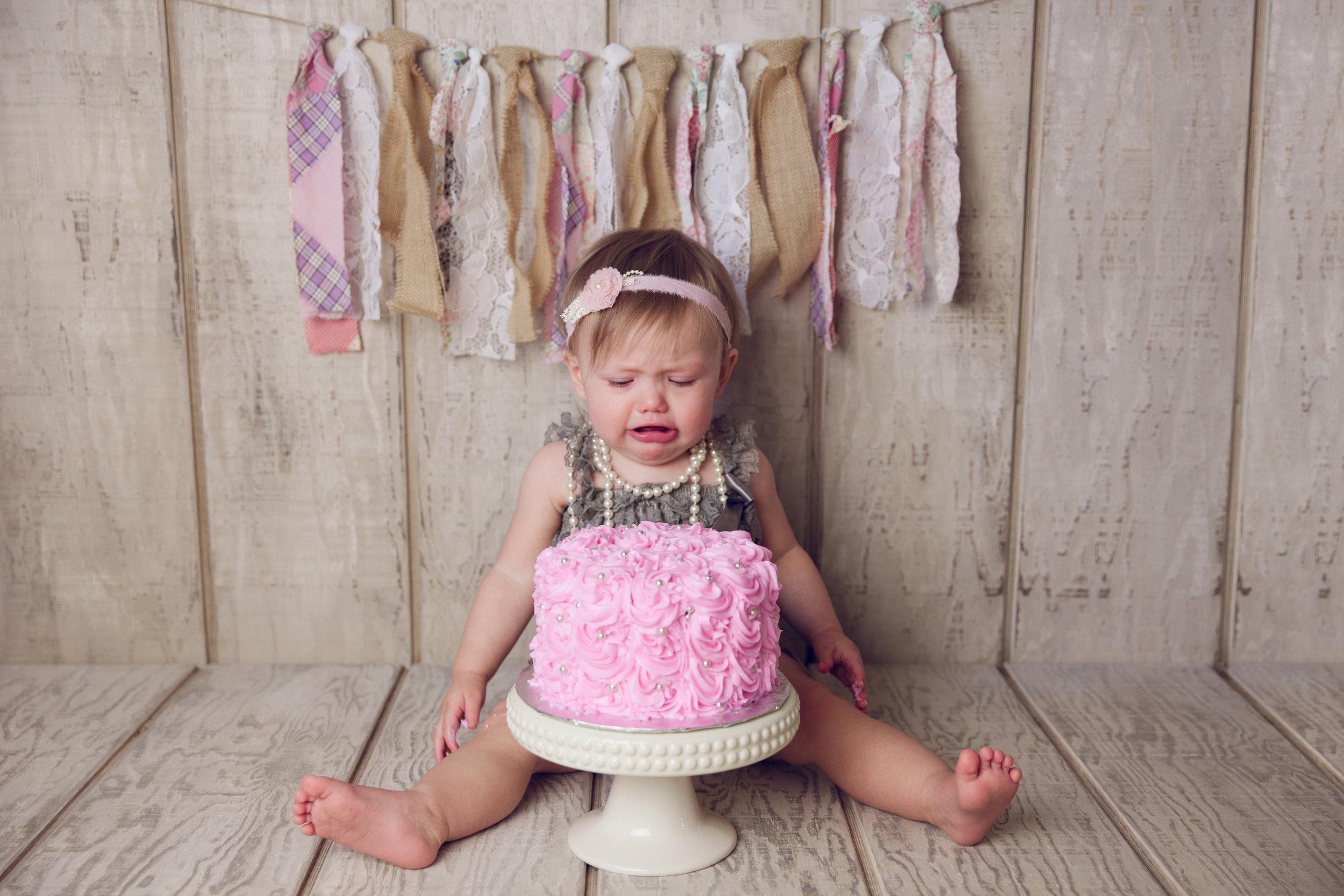 mackenzie cake smash -17.jpg
