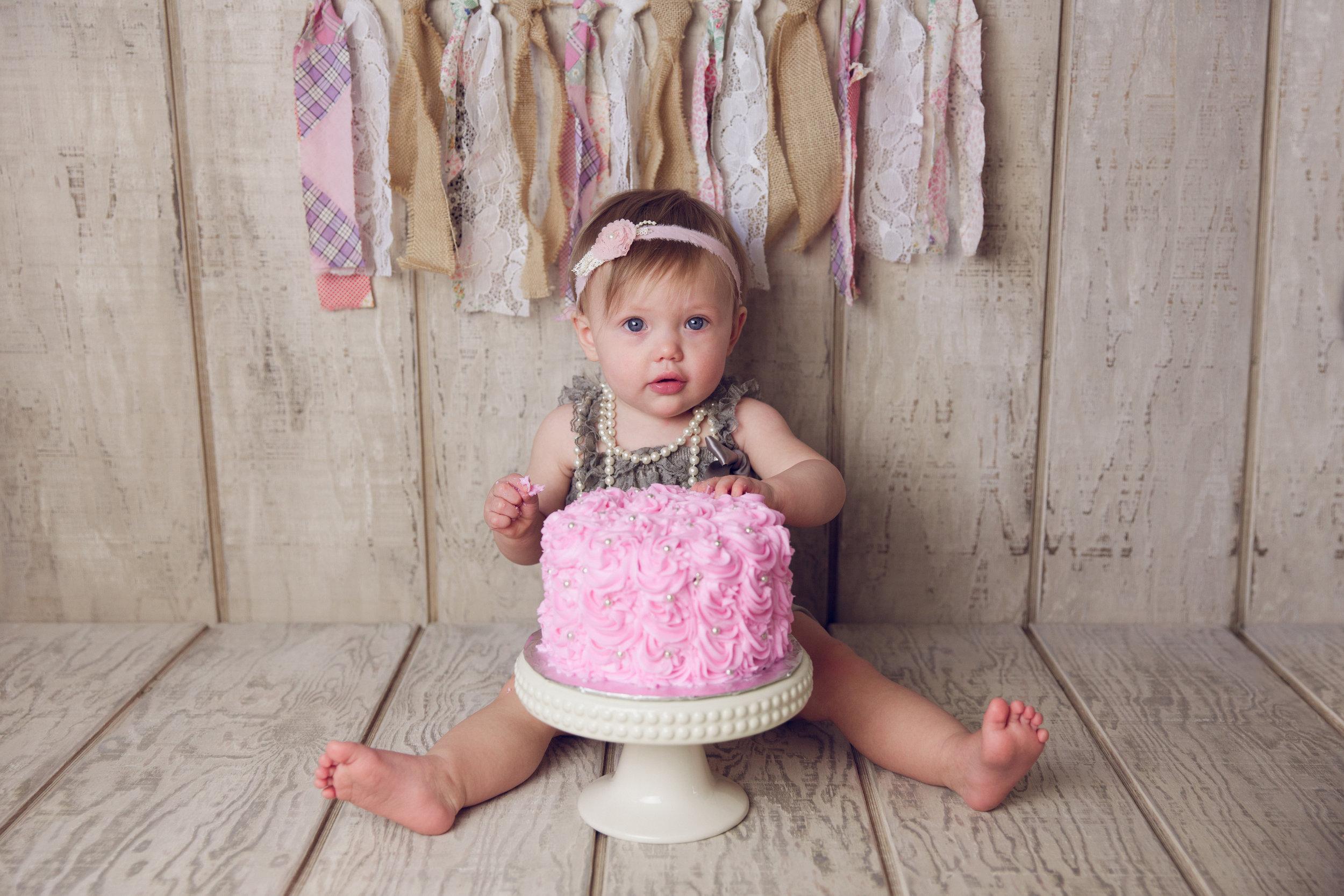 mackenzie cake smash -19.jpg