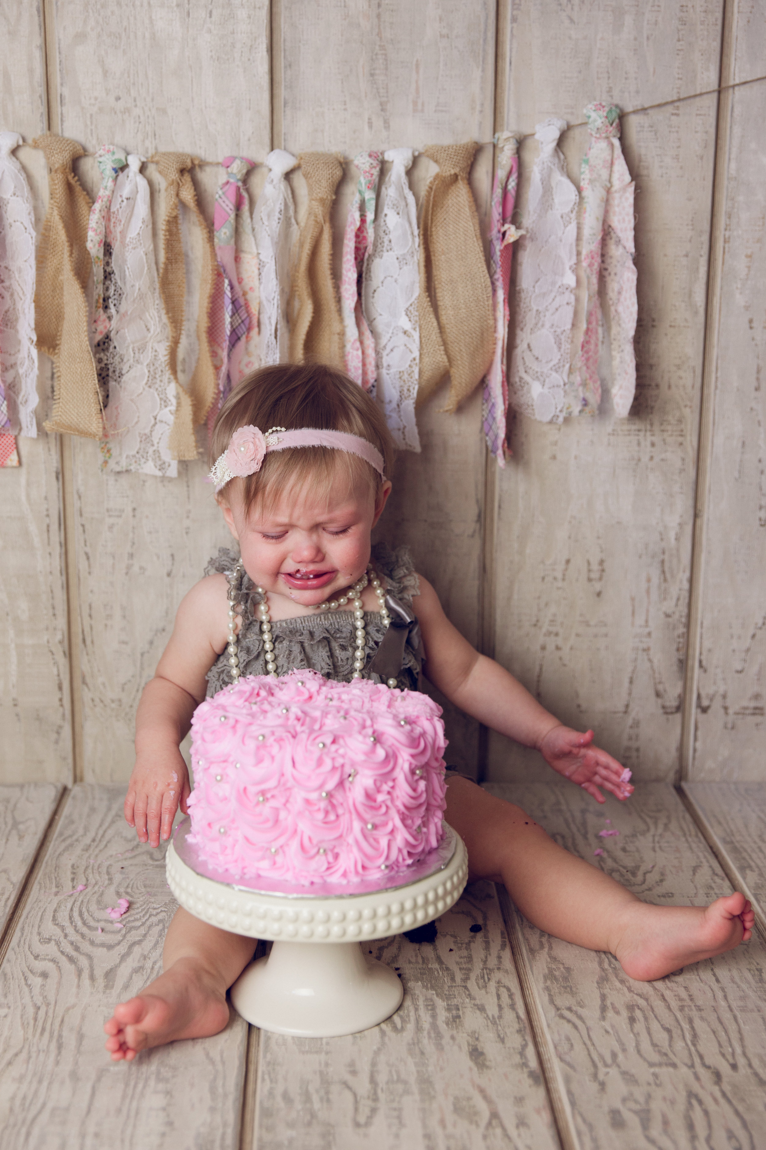 mackenzie cake smash -37.jpg
