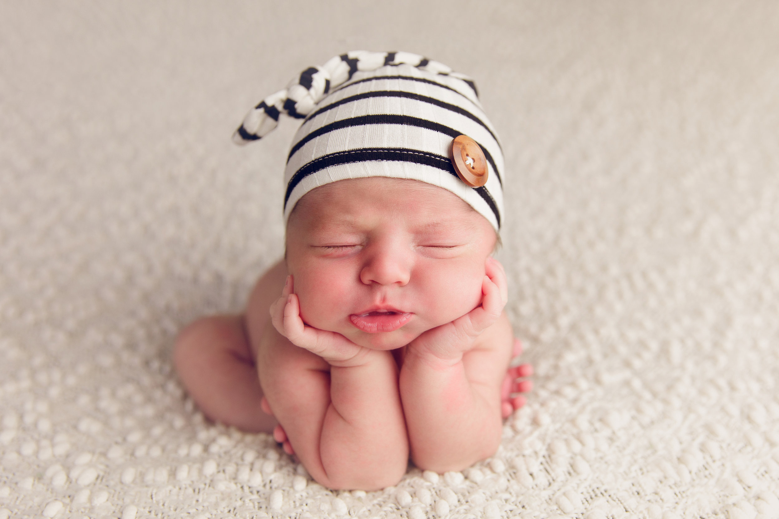 river newborn photo  (1).jpg